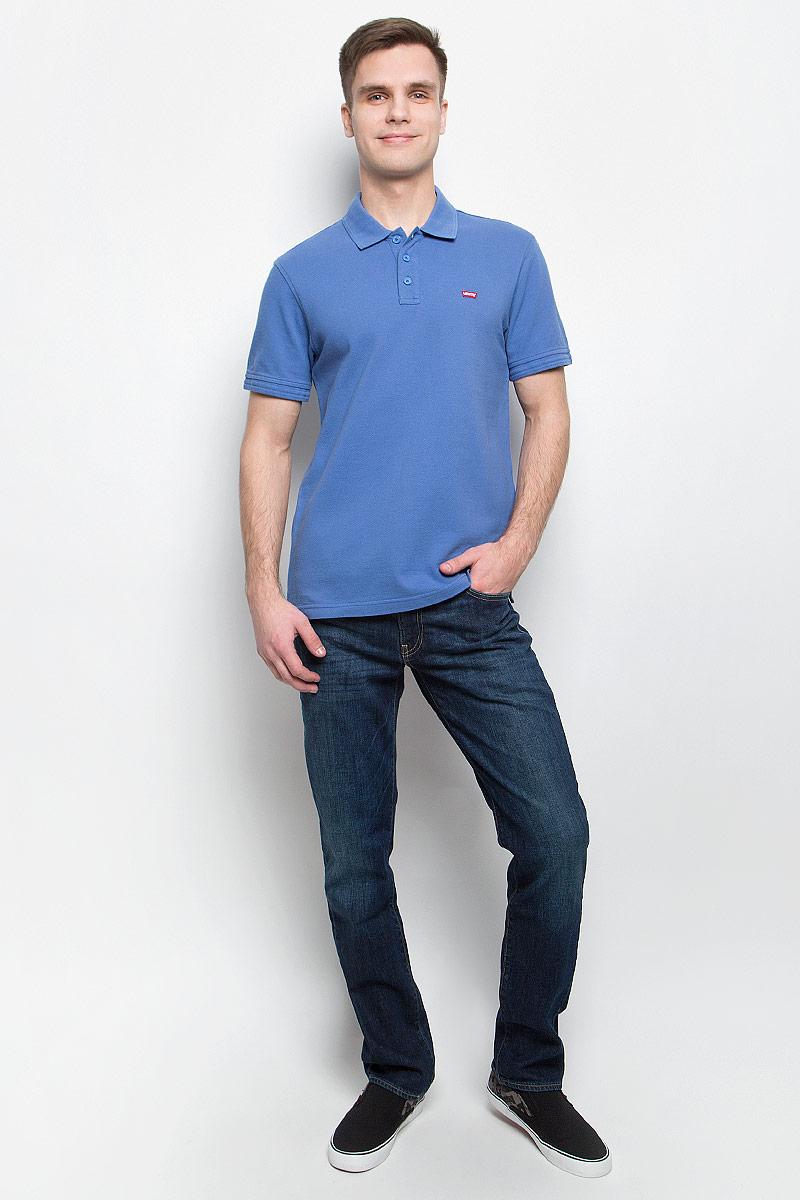 Поло мужское Levis®, цвет: темно-голубой. 2240100430. Размер M (48)2240100430Поло Levis полностью выполнено из натурального хлопка и оформлено фирменной нашивкой. Модель с отложным воротником и коротким рукавом застегивается с помощью пуговиц.