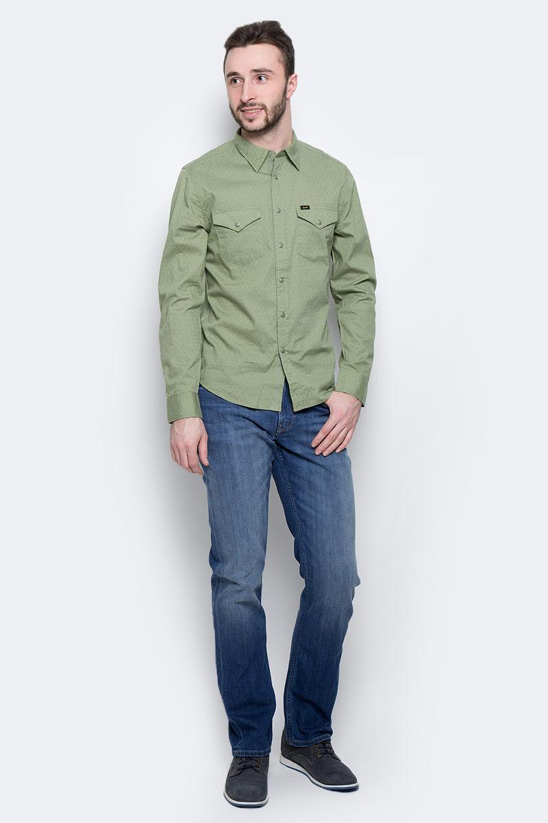 Рубашка мужская Lee Western Shirt, цвет: хаки. L644IBSN. Размер M (48)L644IBSNМужская рубашка Lee Western Shirt изготовлена из натурального хлопка. Модель с короткими рукавами имеет на груди два накладных кармана под клапанами на кнопках. Рубашка застегивается на кнопки и верхнюю пуговицу. Низ модели слегка закруглен.
