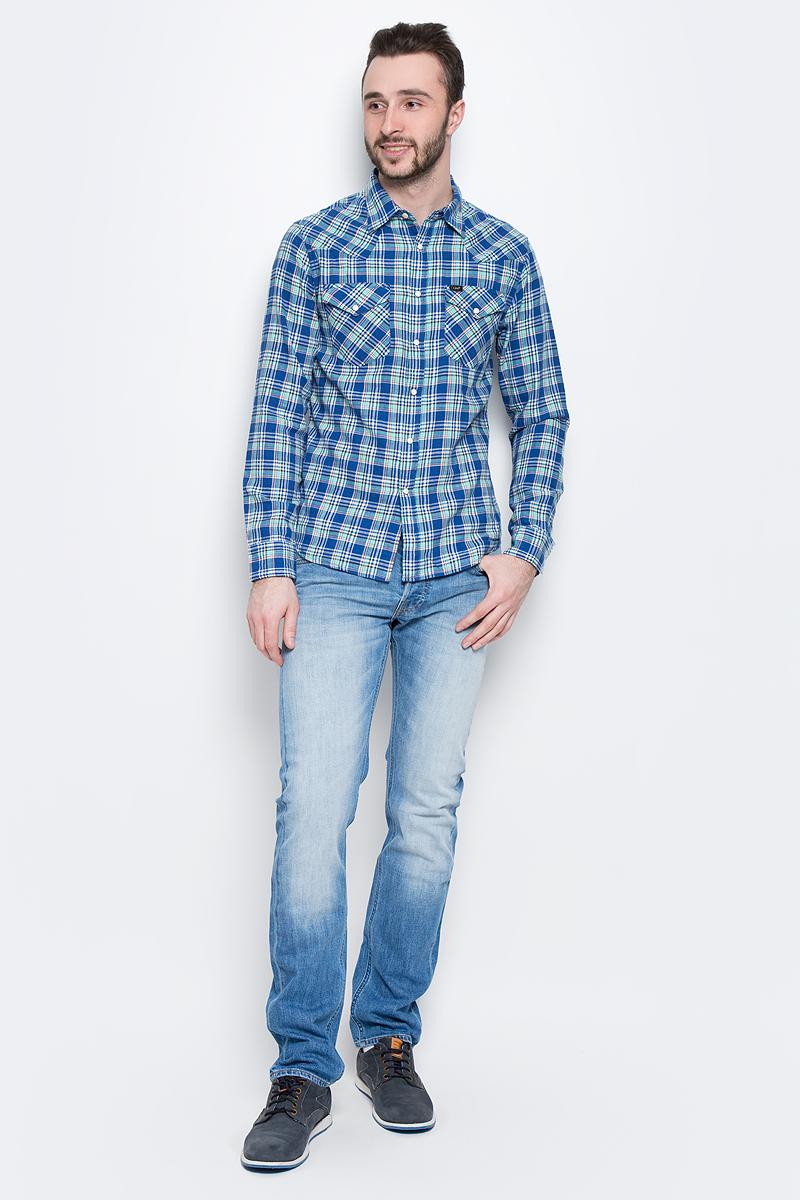 Рубашка мужская Lee, цвет: синий, мятный. L643IASF. Размер L (50)L643IASFМужская рубашка Lee выполнена из натурального хлопка. Рубашка с длинными рукавами и отложным воротником застегивается на кнопки и пуговицу спереди. Манжеты рукавов также застегиваются на кнопки и пуговицы. Рубашка оформлена принтом в клетку. На груди расположены два накладных кармана с клапанами на кнопках.