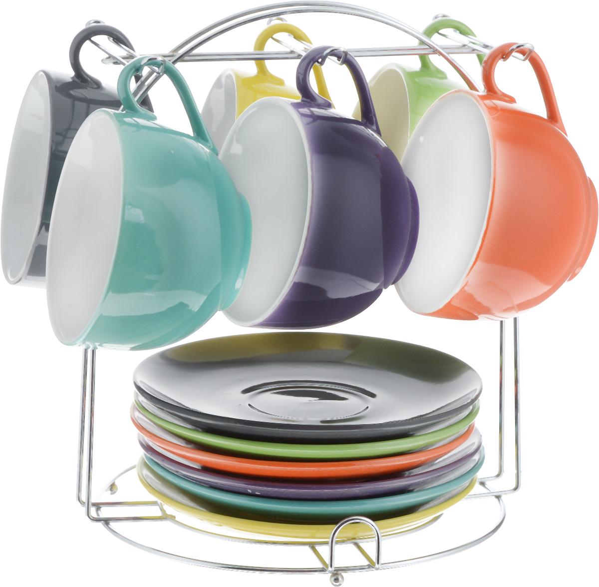 Набор чайный Loraine, на подставке, 13 предметов. 2313423134Набор Loraine состоит из шести чашек и шести блюдец, изготовленных из высококачественной керамики. Для компактного хранения изделий предусмотрена металлическая подставка. Такой набор идеально подойдет для подачи чая или кофе.Лаконичный дизайн придется по вкусу и ценителям классики, и тем, кто предпочитает утонченность и изысканность. Он настроит на позитивный лад и подарит хорошее настроение с самого утра. Чайный набор Loraine станет отличным подарком для вашего дома и для ваших друзей в праздники.Можно использовать в микроволновой печи, также мыть в посудомоечной машине. Объем чашки: 250 мл. Диаметр чашки (по верхнему краю): 9,5 см. Высота чашки: 6,5 см. Диаметр блюдца: 14,5 см. Высота блюдца: 2,2 см.Размер подставки: 19 х 19,5 х 22,5 см.