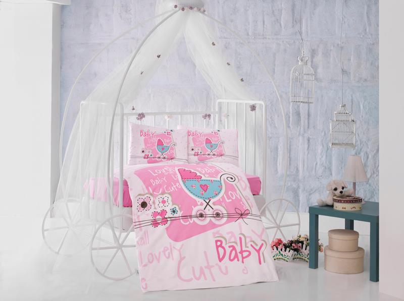 """Комплект детского постельного белья Clasy """"Lovely Baby"""", состоящий из двух наволочек, простыни и пододеяльника, выполнен из ранфорса (натурального 100% хлопка). Пододеяльник застегивается на пуговицы.Ранфорс - это стопроцентная натуральная хлопковая ткань. Ткань отличается практичностью и своеобразными свойствами. Одной из особенностей ткани является то, что она может подстраиваться под температуру воздуха в помещении. Постельное белье из ранфорса в зимнее время помогает согреться, а в летнее время помогает обрести состояние прохлады. Главной отличительной особенностью ранфорса является особое переплетение нитей и их повышенная прочность, что делает материал более износоустойчивым. Ткань на ощупь довольно мягкая, хорошо пропускает воздух и впитывает влагу. Легко стирается, легко выглаживается, а также не накапливает статического электричества.Такой комплект идеально подойдет для кроватки вашего малыша. На нем ребенок будет спать здоровым и крепким сном.Уход: чистка с использованием углеводорода, хлорного этилена, монофлотрихлорметана, можно выжимать и сушить в стиральной машине или в электрической сушке для белья, стирка при максимальной температуре 30°С, гладить при средней температуре (до 150°С), нельзя отбеливать."""