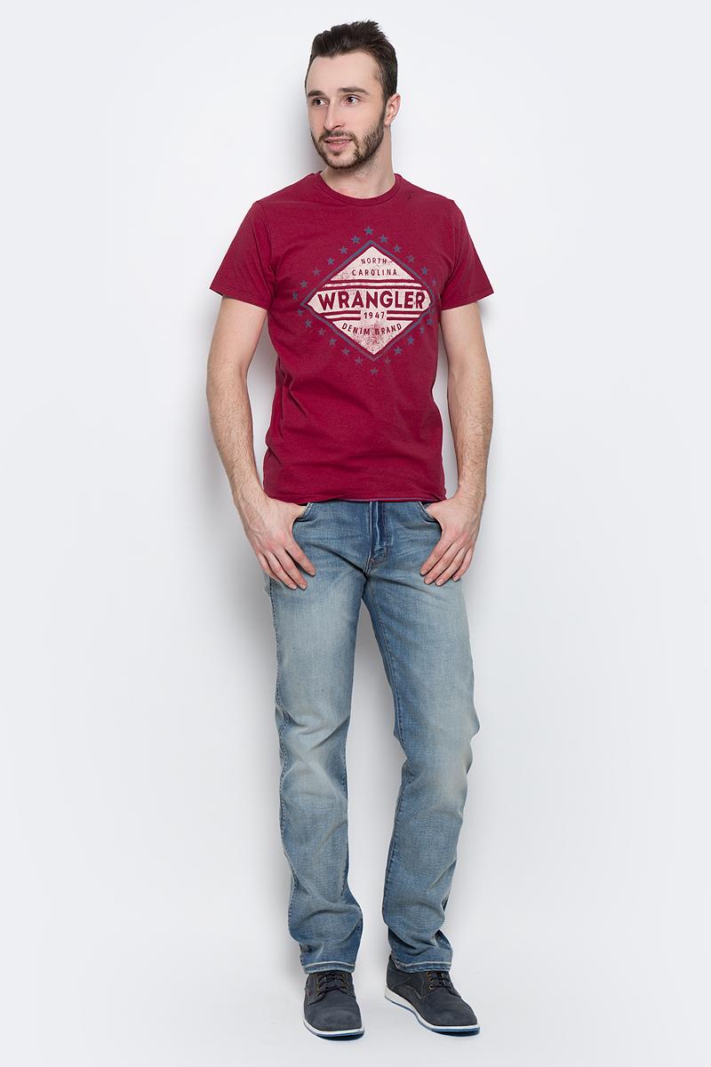 Футболка мужская Wrangler Americana, цвет: красный. W7A52FK47. Размер XXL (54)W7A52FK47Мужская футболка Wrangler Americana изготовлена из натурального хлопка. Модель выполнена с круглой горловиной и короткими рукавами. Спереди футболка декорирована оригинальным принтом.