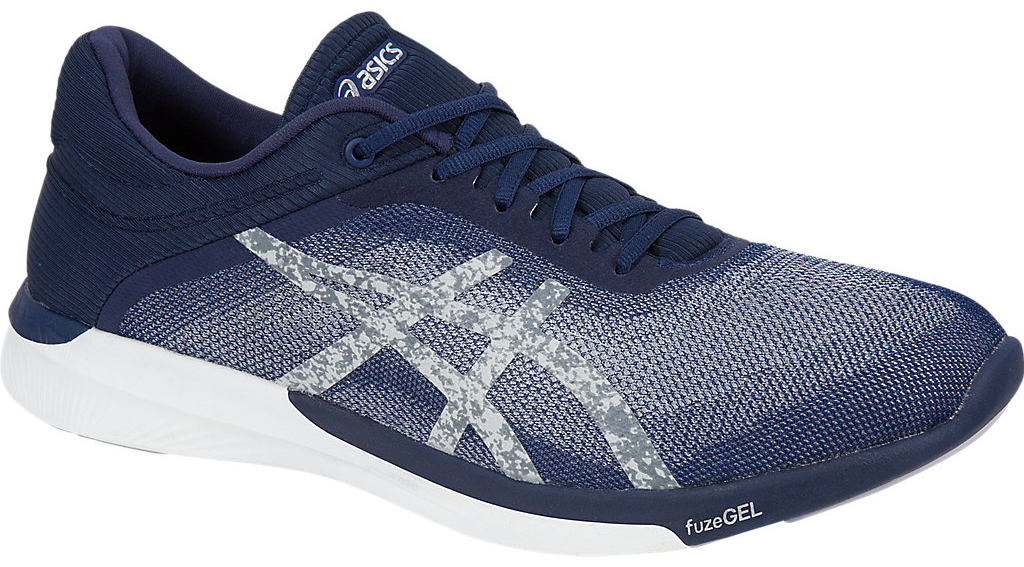 Кроссовки для бега мужские Asics Fuzex Rush, цвет: темно-синий, серебристый. T718N-4993. Размер 8H (40,5)T718N-4993Оптимальное сочетание легкости и удобства с амортизацией. Эти многофункциональные кроссовки можно использовать в качестве удобного повседневного варианта для тех, кто ведет активный образ жизни, поскольку кроссовки обеспечат дополнительную поддержку стопы. Они отлично подходят для коротких пробежек и продолжительных забегов. В этих беговых кроссовках используется уникальная технология fuzeGEL, представляющая собой сочетание двух революционных технологий – свойств геля Asics GEL и подошвы из сверхлегкой пены. В результате получились облегченные кроссовки, в которых проще бежать, и которые при этом обеспечивают оптимальную амортизацию. У кроссовок fuzeX 2 менее высокий подъем стопы, что означает, что они предлагают непревзойденную систему реагирования на каждое движение, а это, в свою очередь, позволяет лучше чувствовать землю под ногами.