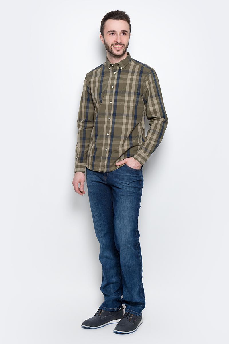 Джинсы мужские Wrangler Texas, цвет: синий. W1219187Z. Размер 36-34 (52-34)W1219187ZМужские джинсы Wrangler Texas выполнены из высококачественного эластичного хлопка с добавлением полиэстера. Джинсы прямого кроя и стандартной посадки застегиваются на пуговицу в поясе и ширинку на застежке-молнии, дополнены шлевками для ремня. Джинсы имеют классический пятикарманный крой: спереди модель дополнена двумя втачными карманами и одним маленьким накладным кармашком, а сзади - двумя накладными карманами. Модель имеет водонепроницаемое покрытие, которое защитит ткань от брызг воды или легкого дождя. Джинсы украшены декоративными потертостями.