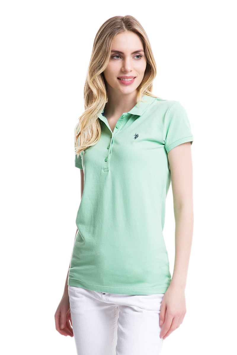 Поло женское U.S. Polo Assn., цвет: зеленый. G082GL0110GTP01IY05. Размер S (44)G082GL0110GTP01IY05Стильная футболка-поло с короткими рукавами и отложным воротником выполнена из натурального эластичного хлопка. На груди модель застегивается на пуговицы.