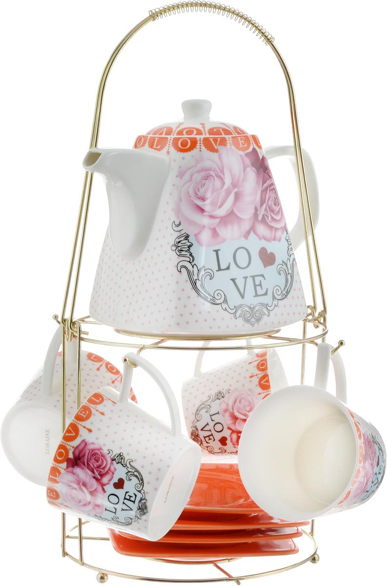 Набор чайный Loraine, на подставке, 10 предметов. 2473024730Чайный набор Loraine состоит из 4 чашек, 4 блюдец, заварочного чайника и подставки. Посуда изготовлена из качественной глазурованной керамики и оформлена изображением цветов. Блюдца и чашки имеют необычную фигурную форму. Все предметы располагаются на удобной металлической подставке с ручкой.Элегантный дизайн набора придется по вкусу и ценителям классики, и тем, кто предпочитает современный стиль. Он настроит на позитивный лад и подарит хорошее настроение с самого утра. Чайный набор Loraine идеально подойдет для сервировки стола и станет отличным подарком к любому празднику. Можно использовать в СВЧ и мыть в посудомоечной машине. Объем чашки: 250 мл. Размеры чашки (по верхнему краю): 8,5 х 8,2 см. Высота чашки: 7,5 см. Диаметр блюдца: 14 см. Высота блюдца: 1,5 см.Объем чайника: 1,1 л. Размер чайника (без учета ручки и носика): 13 х 13 х 13 см. Размер подставки: 18 х 18 х 37 см.