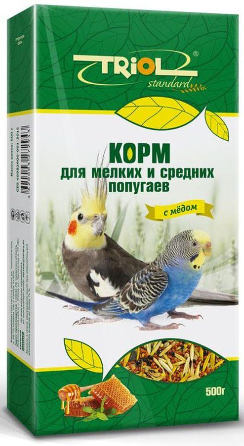 Корм Тriol Standard для мелких и средних попугаев, с медом, 500 гКф-00100Универсальная смесь из отборных зерновых культур для ежедневного кормления мелких и средних попугаев с мёдом. Корм содержит любимые пернатыми зерна и семена, сбалансирован по микро- и макроэлементам и обогащен витаминами, необходимыми для правильного развития пернатых питомцев. Основной корм для попугаев - это уникальный коктейль из зерновых и злаковых культур, а так же натуральных сушеных трав, богатых на масла семян и орехов от компании Triol. Данный продукт представляет собой полнорационный корм для средних и мелких попугаев, он содержит оптимальное количество растительных белков и клетчатки для обеспечения организма птицы жизнедеятельностью. Кроме того зерна насыщены минеральными веществами и витаминами, среди которых фосфор, минеральные соли и жиры, способствующие улучшению работы пищеварительной системы и улучшая общий обмен веществ. Так же в продукте содержаться растительные масла и экстракты трав, которые поспособствуют улучшению работы пищеварительной системы и сохранению яркого перьевого окраса птицы. Данный продукт отлично подходит для смешивания с другими видами кормов, благодаря чему вы сможете составить идеальный питательный баланс для своей птицы. Позаботьтесь о здоровье и счастье ваших птиц с уникальными кормами от компании Triol! Правильно сбалансированный корм поможет вам вырастить здоровых и веселых питомцев. Продукт не содержит искусственных добавок и красителей.Состав: просо белое, просо красное, овес, семена подсолнечника, семена конопли, витамины, семена гречихи, горох, кукуруза, арахис, попкорн, семена луговых трав.