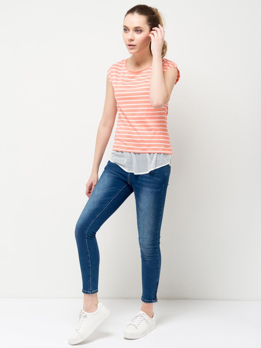Футболка женская Sela, цвет: бледно-оранжевый. Ts-111/769-7172. Размер M (46)Ts-111/769-7172Модная женская футболка Sela выполнена из легкого качественного материала с принтом в полоску. Модель приталенного кроя с короткими цельнокроеными рукавами подойдет для прогулок и дружеских встреч и будет отлично сочетаться с джинсами и брюками, а также гармонично смотреться с юбками. Мягкая ткань на основе хлопка и вискозы комфортна и приятна на ощупь. Воротник изделия дополнен мягкой эластичной бейкой, низ - полупрозрачной воздушной вставкой.