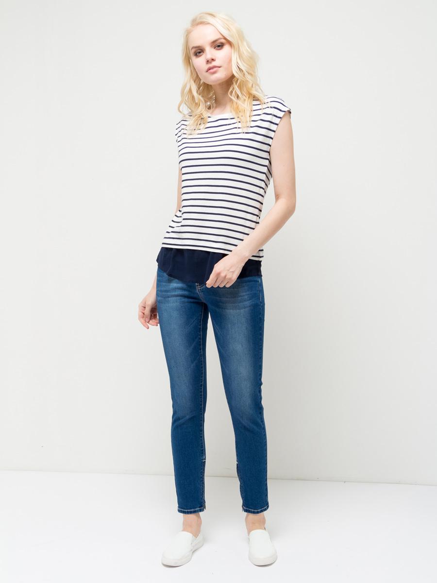 Футболка женская Sela, цвет: темно-синий. Ts-111/769-7172. Размер XS (42)Ts-111/769-7172Модная женская футболка Sela выполнена из легкого качественного материала с принтом в полоску. Модель приталенного кроя с короткими цельнокроеными рукавами подойдет для прогулок и дружеских встреч и будет отлично сочетаться с джинсами и брюками, а также гармонично смотреться с юбками. Мягкая ткань на основе хлопка и вискозы комфортна и приятна на ощупь. Воротник изделия дополнен мягкой эластичной бейкой, низ - полупрозрачной воздушной вставкой.