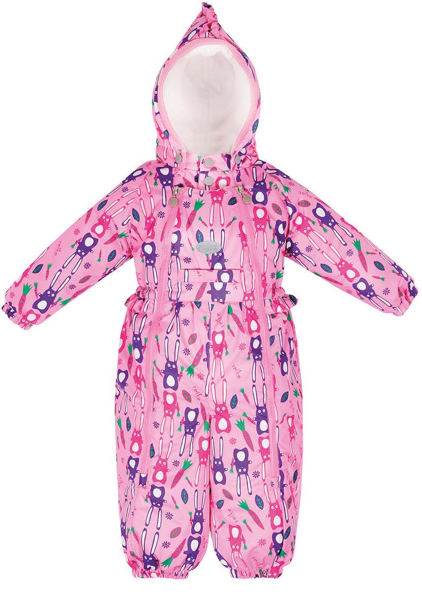 Комбинезон утепленный для девочки Reike Зайчики, цвет: розовый. 36932112. Размер 68, 6 месяцев36 932 112_Hares pinkКомбинезон для девочки Reike Зайчики выполнен из ветрозащитной, водонепроницаемой и дышащей мембранной ткани, декорированной принтом с забавными зайчиками. Хлопковая подкладка с велюровыми вставками на спинке, воротнике, капюшоне и рукавах обеспечивает дополнительный комфорт. Удобный крой с двумя молниями позволяет маме легко одевать и раздевать ребенка. Отстегивающийся капюшон оформлен трикотажной резинкой. Комбинезон дополнен резинкой по талии, кармашком спереди, множеством светоотражающих элементов и съемными штрипками. Особенности изделия:- базовый уровень; - коэффициент воздухопроницаемости: 2000гр/м2/24 ч;- водоотталкивающее покрытие: 2000 мм; - утеплитель 60 гр.