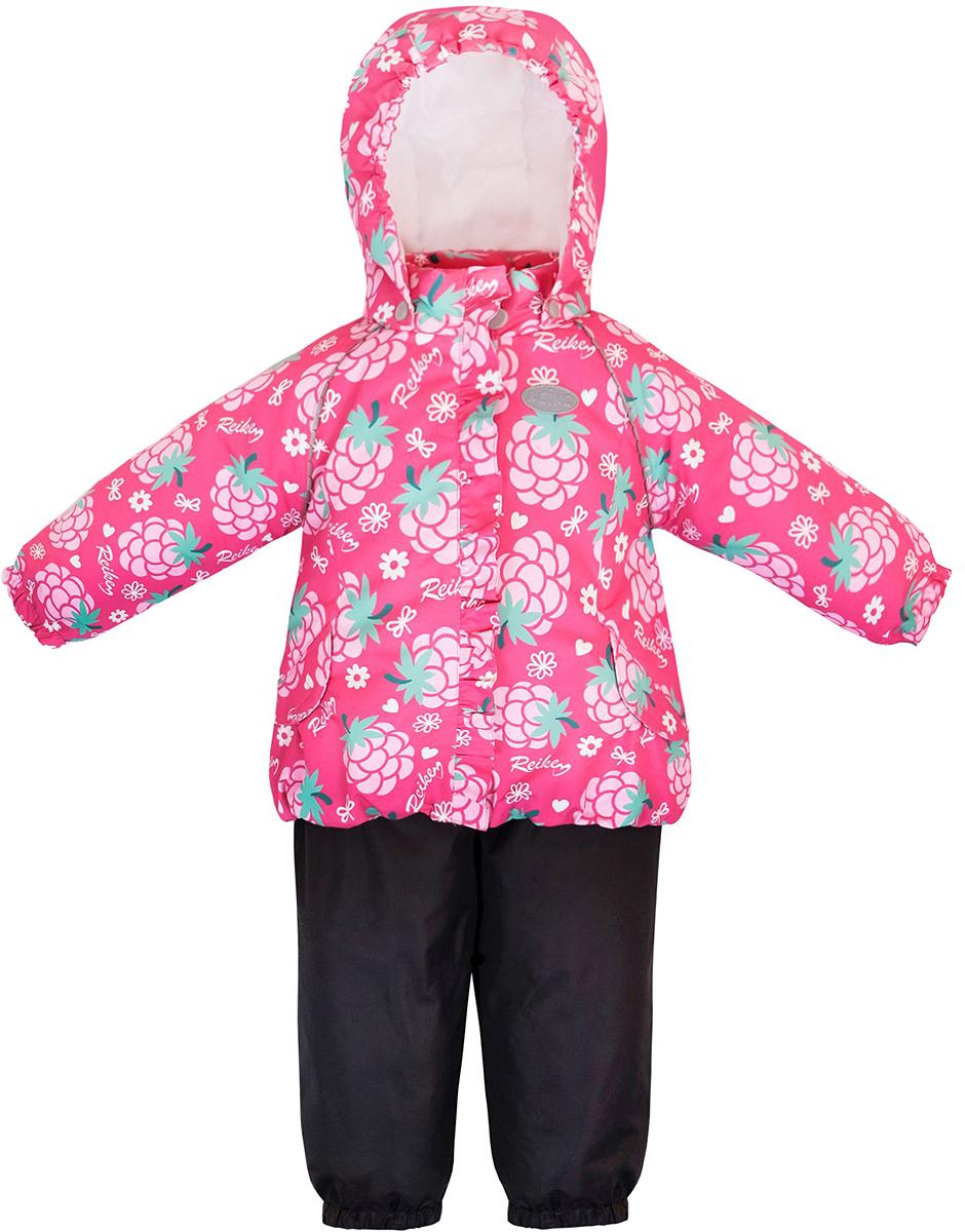 Комплект верхней одежды для девочки Reike Ежевика: куртка, полукомбинезон, цвет: фуксия. 36933332. Размер 92, 24 месяца36 933 332_Blackberry fuchsiaКомплект для девочки Reike Ежевика, состоящий из куртки и полукомбинезона, выполнен из ветрозащитной, водонепроницаемой и дышащей мембранной ткани, декорированной принтом с изображением ежевики. Подкладка - натуральный хлопок с велюровыми вставками на воротнике и манжетах. Куртка дополнена съемным капюшоном, двумя карманами на липучках, а также многочисленными светоотражающими элементами. Ветрозащитная планка в виде рюши со светоотражающей полоской вдоль молнии не допускает проникновения холодного воздуха. Эластичная талия полукомбинезона и регулируемые подтяжки гарантируют посадку по фигуре, длинная молния впереди облегчает процесс одевания. Полукомбинезон оснащен боковым карманом на молнии и съемными штрипками.Особенности комплекта: - утеплитель в куртке 60 г, полукомбинезон без утепления;- базовый уровень;- коэффициент воздухопроницаемости: 2000гр/м2/24 ч;- водоотталкивающее покрытие: 2000 мм.