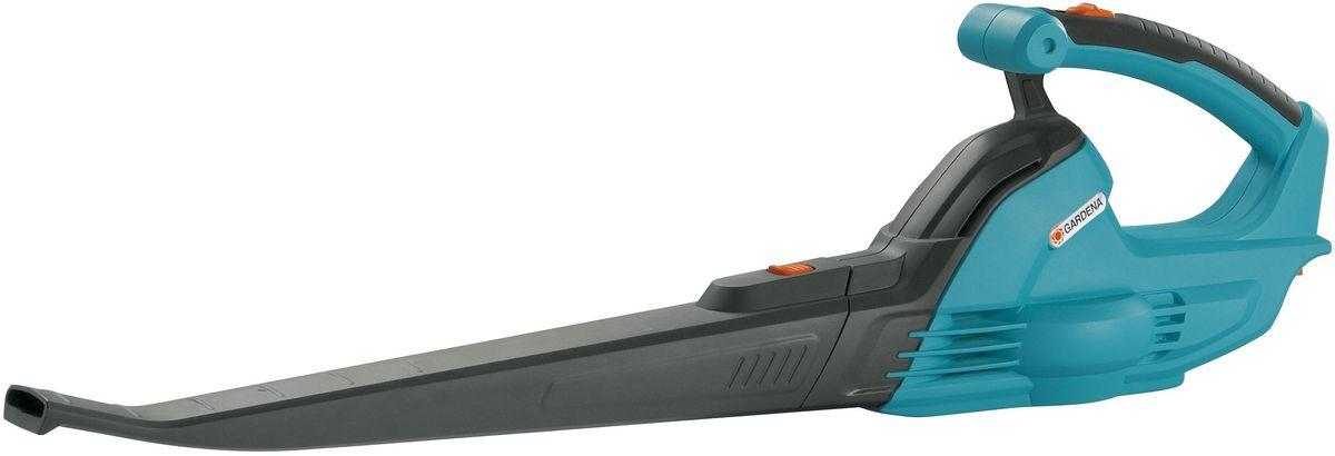 Воздуходув аккумуляторный Gardena AccuJet 18-Li, без аккумулятора09335-55.000.00Воздуходув Gardena AccuJet 18-Li - компактный агрегат для ухода за придомовой или приусадебной территорией. Режим работы - обдув. Легко справится с уборкой сухих листьев и мелких веток. Эргономичная рукоятка имеет резиновую вставку, что обеспечивает надежное удержание инструмента во время работы.УВАЖАЕМЫЕ ПОКУПАТЕЛИ!Обращаем ваше внимание на то, что элемент питания - Li-Ion аккумулятор 18В не входит в комплект.