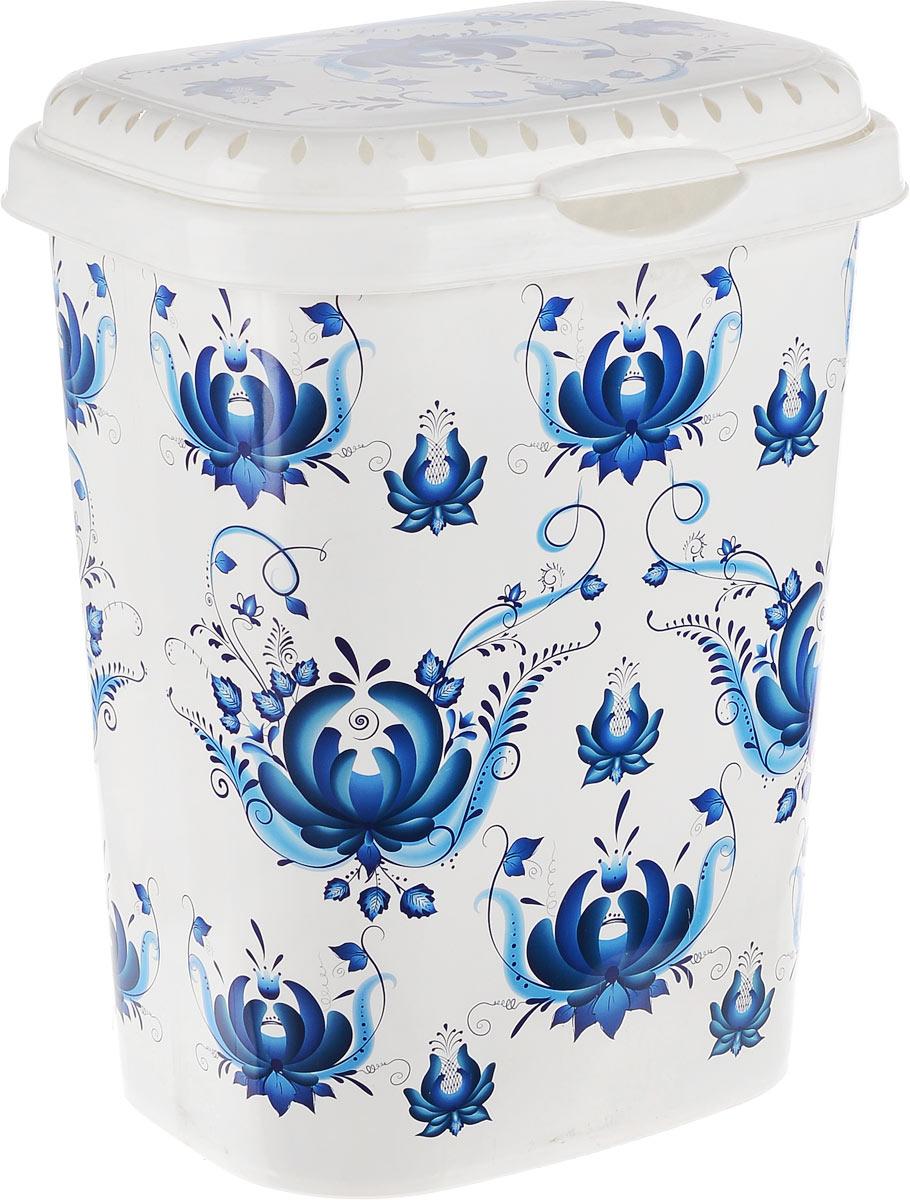 Корзина для белья Violet Гжель, с крышкой, цвет: белый, синий, 55 л1960/78Вместительная корзина Violet Гжель, изготовленная из прочного цветногопластика, оформлена цветочными узорами и оснащена откидной крышкой.Изделие отлично подойдет для хранения белья перед стиркой. Такая корзина для белья прекрасно впишется в интерьер ванной комнаты.