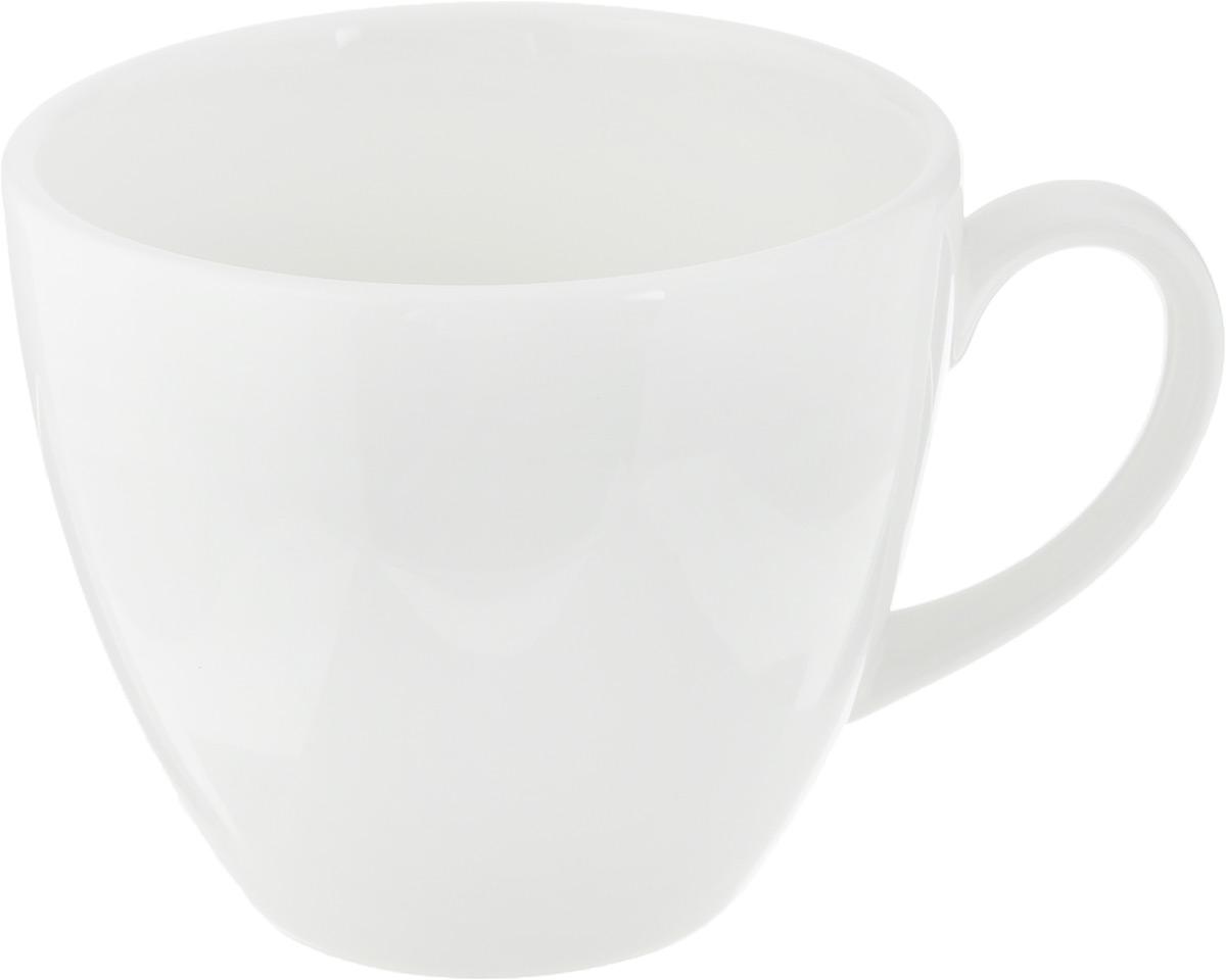 """Чашка Ariane """"Прайм"""" выполнена из высококачественного фарфора с глазурованным покрытием. Изделие оснащено удобной ручкой. Нежнейший дизайн и белоснежность изделия дарят ощущение легкости и безмятежности.Изысканная чашка прекрасно оформит стол к чаепитию и станет его неизменным атрибутом.Можно мыть в посудомоечной машине и использовать в СВЧ.Диаметр чашки (по верхнему краю): 8,2 см.Высота чашки: 7 см."""