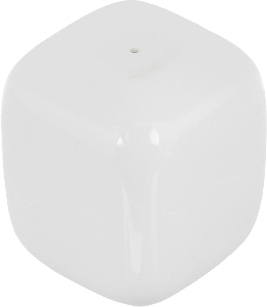 Перечница Ariane Vital Square, 4,5 х 4,5 х 5,5 смAVSARN72002Перечница Ariane Vital Square изготовлена из высококачественного фарфора белого цвета. Перечница имеет одно отверстие для высыпания специй, на дне - отверстие, позволяющее наполнить емкость, снабженное силиконовой вставкой.Такая перечница украсит сервировку вашего стола и подчеркнет прекрасный вкус хозяина, а также станет отличным подарком.Можно мыть в посудомоечной машине.
