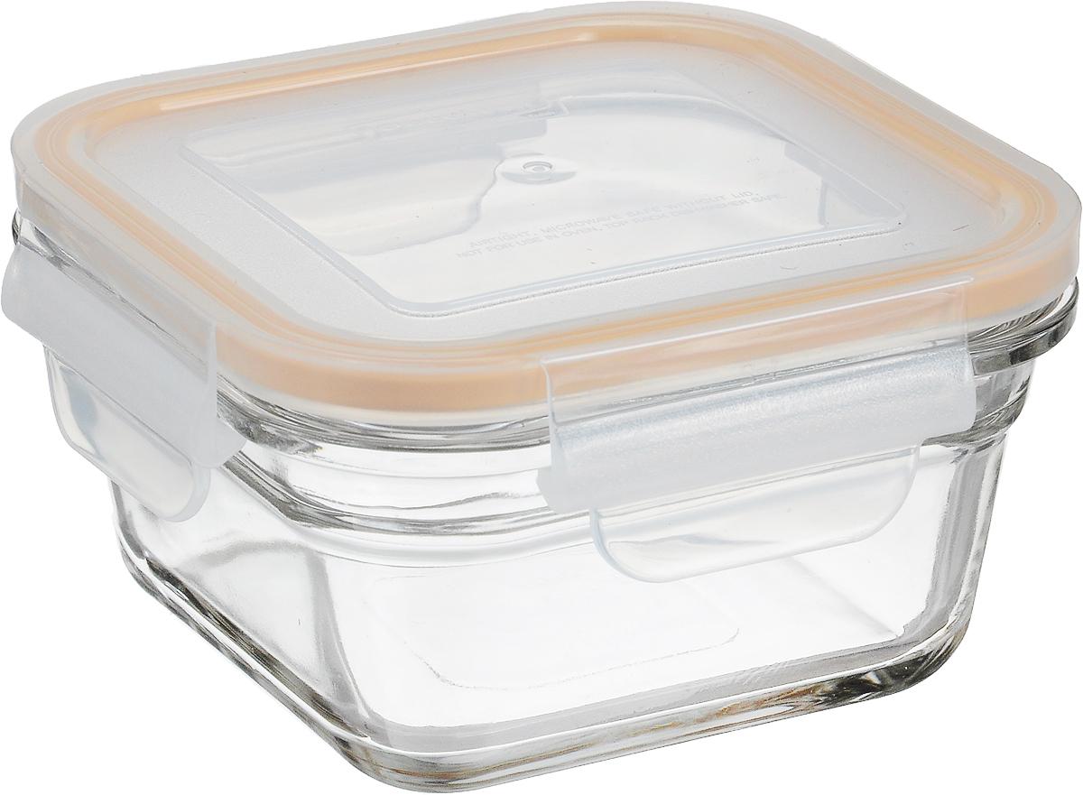 Контейнер Glasslock, квадратный, цвет: прозрачный, оранжевый, 405 млOCST-040_оранжевый, прозрачныйКонтейнер пищевой Glasslock изготовлен из высококачественного закаленного ударопрочного стекла. Герметичная крышка, выполненная из пластика и снабженная уплотнительной силиконовой вставкой, надежно закрывается с помощью четырех защелок. Подходит для мытья в посудомоечной машине, хранения в холодильных и морозильных камерах, использования в микроволновых печах. Выдерживает резкий перепад температур.Стеклянная посуда нового поколения от Glasslock экологична, не содержит токсичных и ядовитых материалов; превосходная герметичность позволяет сохранять свежесть продуктов; покрытие не впитывает запах продуктов; имеет утонченный европейский дизайн - прекрасное украшение стола.Размер контейнера по верхнему краю: 11 х 11 см.Высота контейнера (с учетом крышки): 7,5 см.