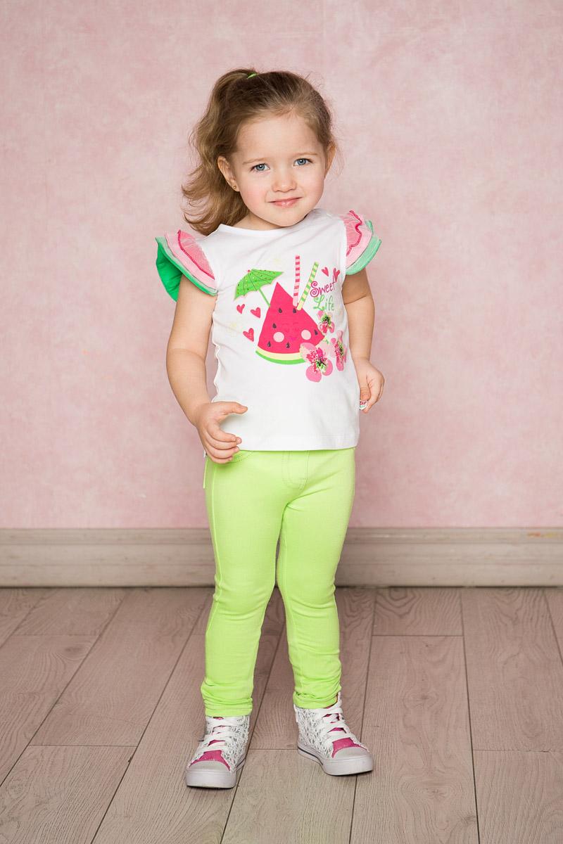 Футболка для девочки Sweet Berry Baby, цвет: белый. 712101. Размер 80712101Яркая футболка для девочки Sweet Berry выполнена из качественного эластичного хлопка. Модель с круглым вырезом горловины и рукавами-крылышками в виде многослойных воланов контрастного цвета оформлена оригинальным принтом. Воротник дополнен мягкой эластичной бейкой.
