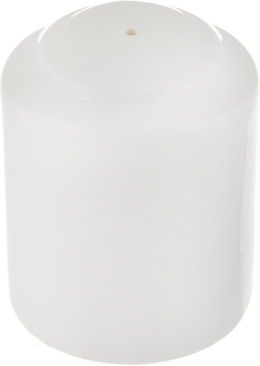 Перечница Ariane Прайм, 4,5 х 4,5 х 5,6 смAPRARN72001Перечница Ariane Прайм изготовлена из высококачественного фарфора. Изделие имеет одно отверстие для высыпания специй, на дне - отверстие, позволяющее наполнить емкость, снабженное пластиковой вставкой. Уникальный состав сырья, новейшие технологии и контроль качества гарантируют: снижение риска сколов, повышение термической и механической прочности, высокую сопротивляемость шоковым воздействиям, высокую устойчивость к стиранию, устойчивость к царапинам, возможность использования в духовых, микроволновых печах и посудомоечных машинах без потери внешнего вида, гладкий и блестящий внешний вид, абсолютную функциональность, относительную безопасность в случае боя, защиту от деформации.Такая перечница украсит сервировку любого стола и подчеркнет прекрасный вкус хозяина.Размеры перечницы: 4,5 х 4,5 х 5,6 см.