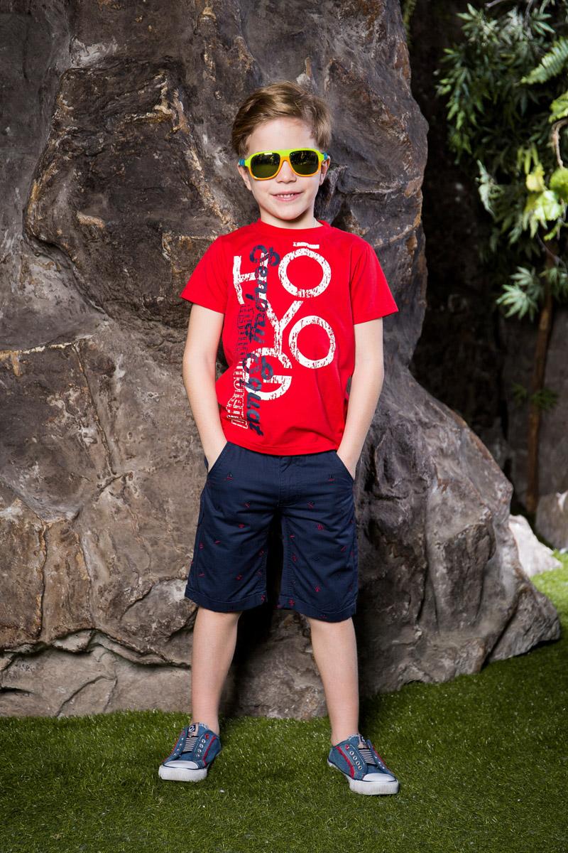 Футболка для мальчика Sweet Berry, цвет: красный. 713011. Размер 98713011Яркая футболка для мальчика Sweet Berry, выполненная из качественного эластичного хлопка, станет отличным дополнением к детскому гардеробу. Модель с круглым вырезом горловины оформлена оригинальным принтом. Воротник дополнен мягкой трикотажной резинкой.