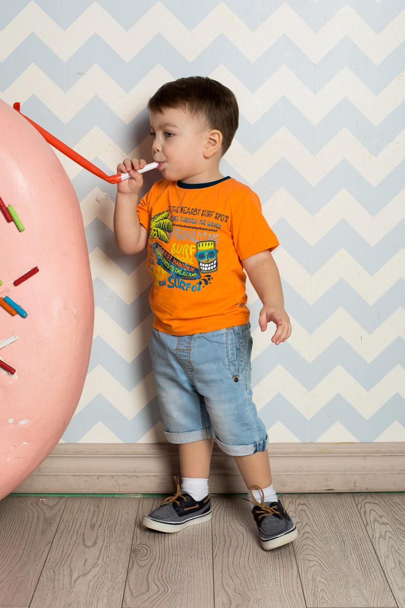 Футболка для мальчика Sweet Berry Baby, цвет: оранжевый. 711023. Размер 80711023Яркая футболка для мальчика Sweet Berry, выполненная из качественного эластичного хлопка, станет отличным дополнением к детскому гардеробу. Модель с круглым вырезом горловины оформлена оригинальным принтом. Воротник дополнен мягкой трикотажной резинкой контрастного цвета.