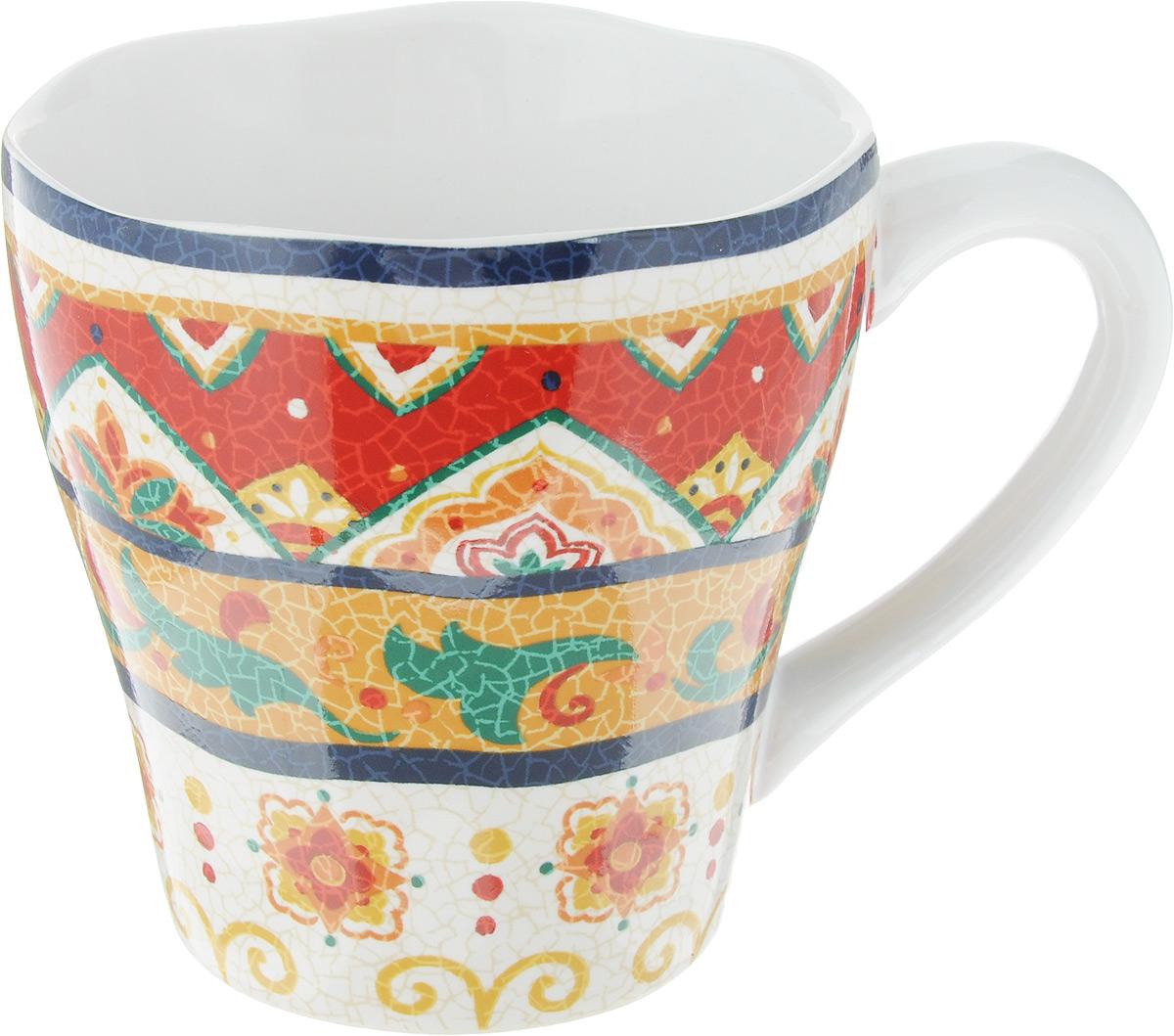 """Кружка Sango Ceramics """"Мессина"""" выполнена из высококачественной керамики с глазурованным покрытием и оформлена оригинальным орнаментом. Такая кружка станет отличным дополнением к сервировке семейного стола и замечательным подарком для ваших родных и друзей. Можно использовать в микроволновой печи и мыть с посудомоечной машине."""