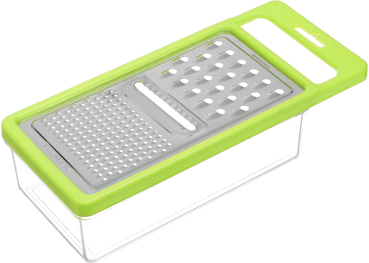 Терка Bohmann, с контейнером, цвет: салатовый, прозрачный, серебристый02519BH_салатовыйТерка с контейнером Bohmann, изготовленная из стали и пластика, непременно понравится каждой хозяйке. На одной терке представлены три вида терок - крупная терка, мелкая терка и терка пластинами с рифленой поверхностью. Терка под посажена на специальный контейнер и надежно закреплена. Терка снабжена ручкой, чтобы при использовании не было дискомфорта в обращении.Не рекомендуется мыть в посудомоечной машине.Размер терки (с учетом ручки): 25 х 11 х 1 см.Размер контейнера: 19,5 х 10,7 х 6 см.
