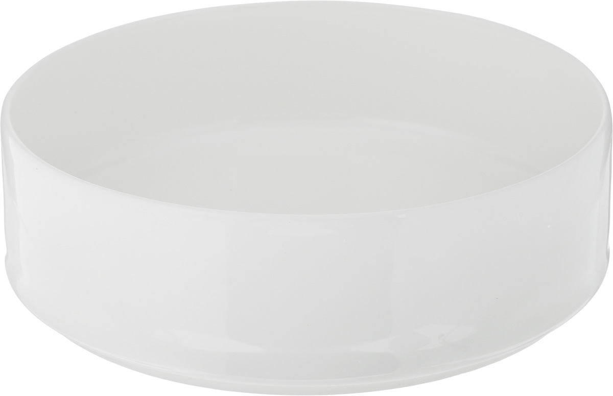"""Салатник Ariane """"Прайм"""", изготовленный из высококачественного фарфора с глазурованным покрытием, прекрасно подойдет для подачи различных блюд: закусок, салатов или фруктов. Такой салатник украсит ваш праздничный или обеденный стол.Можно мыть в посудомоечной машине и использовать в микроволновой печи.Диаметр салатника (по верхнему краю): 15,5 см.Диаметр основания: 14,5 см.Высота стенки: 5 см.Объем салатника: 580 мл."""