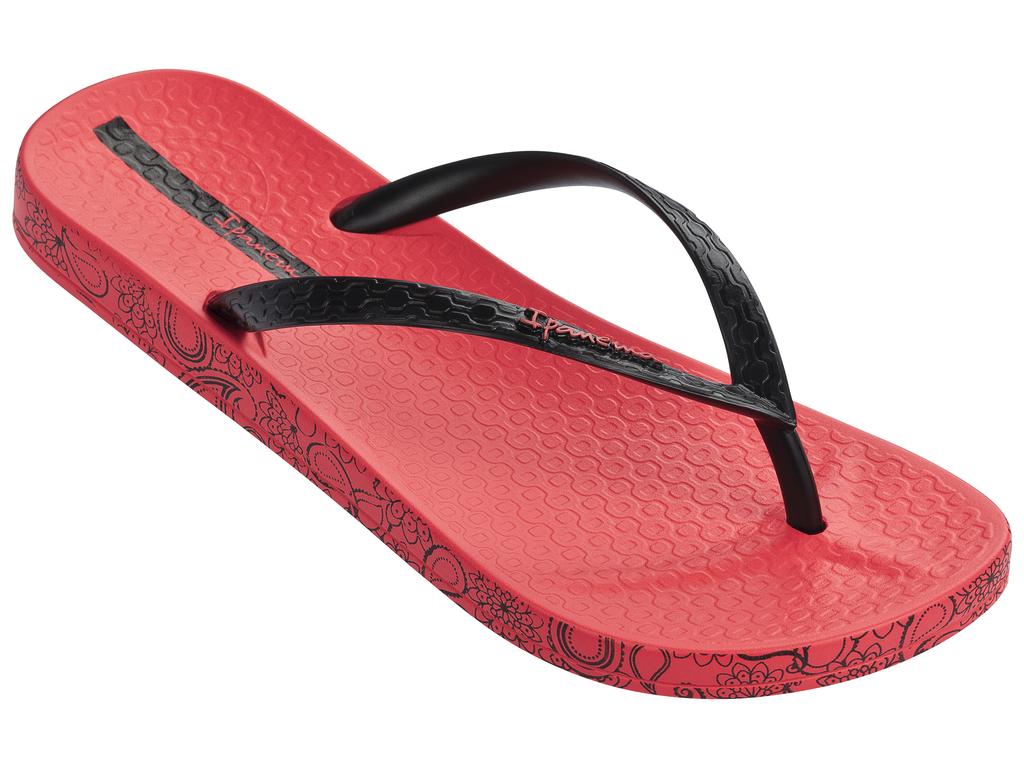 Сланцы женские Ipanema, цвет: красный, черный. 25924-22007. Размер BRA 33/34 (34/35)25924-22007Стильные и очень легкие сланцы от Ipanemaпридутся вам по душе. Верх модели выполнен из поливинилхлорида. Ремешки с перемычкой гарантируют надежную фиксацию изделия на ноге.Верх модели украшен названием бренда. По кругу, подошва оформлена рисунком. Рифление на верхней поверхности подошвы предотвращает выскальзывание ноги. Рельефное основание подошвы обеспечивает уверенное сцепление с любой поверхностью. Удобные сланцы прекрасно подойдут для похода в бассейн или на пляж.