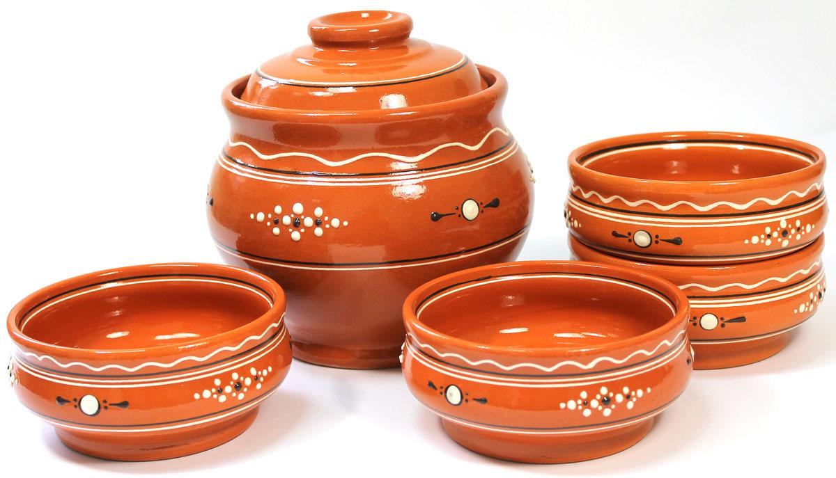Набор для каши Ломоносовская керамика Оятские мотивы, 5 предметовЛ0878Набор для каши Ломоносовская керамика Оятские мотивы выполнен из высококачественной керамики. В состав набора входят горшочек и 4 миски. Уникальные свойства глины и толстые стенки изделия обеспечивают эффект русской печи при приготовлении блюд. Блюда, приготовленные в керамическом горшке, получаются нежными и сочными. Вы сможете приготовить очень вкусную кашу. Это один из самых здоровых способов готовки.Объем горшка: 1,8 л.Объем миски: 300 мл.