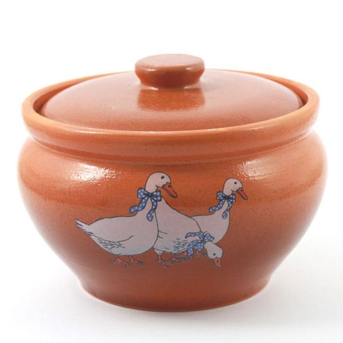 Горшок для запекания Ломоносовская керамика Гуси, с крышкой, 1,5 л3ГГ-12Горшок для запекания Ломоносовская керамика с крышкой выполнен из высококачественной глины. Уникальные свойства глины и толстые стенки изделия обеспечивают эффект русской печи при приготовлении блюд. Блюда, приготовленные в керамическом горшке, получаются нежными исочными. Вы сможете приготовить мясо, сделать томленые овощи и все это без капли масла. Этоодин из самых здоровых способов готовки.