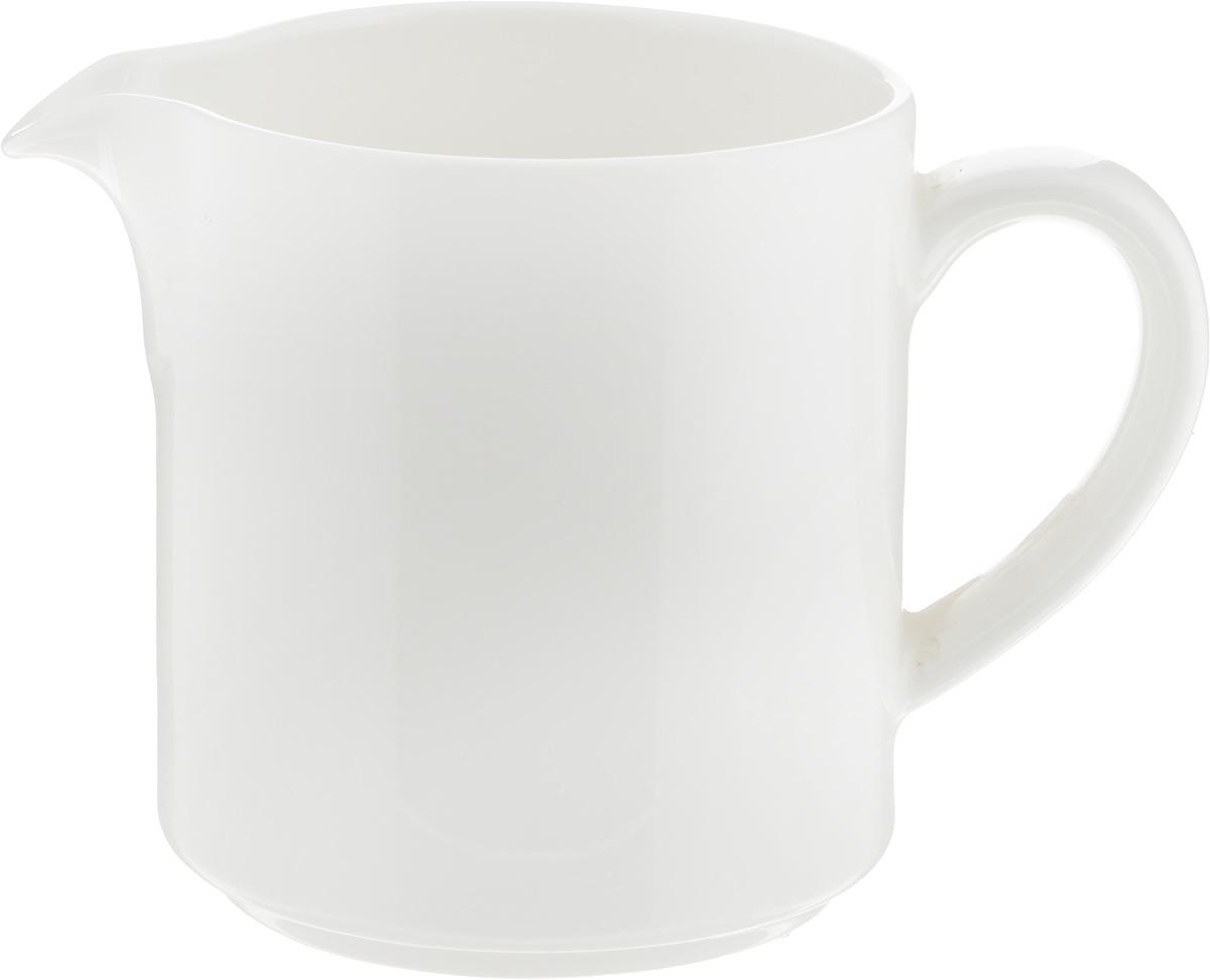 Молочник Ariane Прайм, 250 млAPRARN64025Молочник Ariane Прайм изготовлен из высококачественного фарфора с глазурованнымпокрытием. Изделие предназначено для сервировки сливок или молока. Такой молочник отлично подойдеткак для праздничного чаепития, так и для повседневного использования. Изделиефункциональное, практичное и легкое в уходе. Можно мыть в посудомоечной машине и использовать в СВЧ.Диаметр (по верхнему краю): 7,5 см.Высота: 9 см.