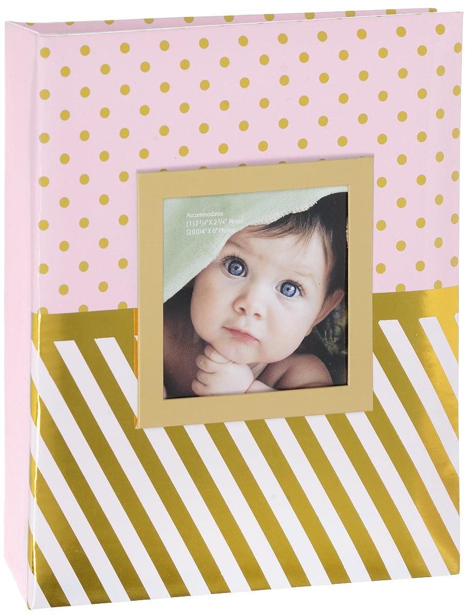 Фотоальбом Окно, цвет: розовый, золотистый, 200 фотографий, 10 х 15 смBW46200PW16E-2Фотоальбом Окно сохранит моменты ваших счастливых мгновений на своих страницах! Обложка альбома выполнена из плотного картона и оформлена оригинальным принтом в горошек и полоску. Специальное окошко позволяет поместить одну фотографию формата 10 х 10 см. Внутри содержится блок из 50 белых листов с фиксаторами-окошками из полипропилена. Фотоальбом рассчитан на 200 фотографий формата 10 х 15 см (по 2 фотографии на странице). Нам всегда так приятно вспоминать о самых счастливых моментах жизни, запечатленных на фотографиях. Поэтому фотоальбом является универсальным подарком к любому празднику. Количество листов: 50 шт.
