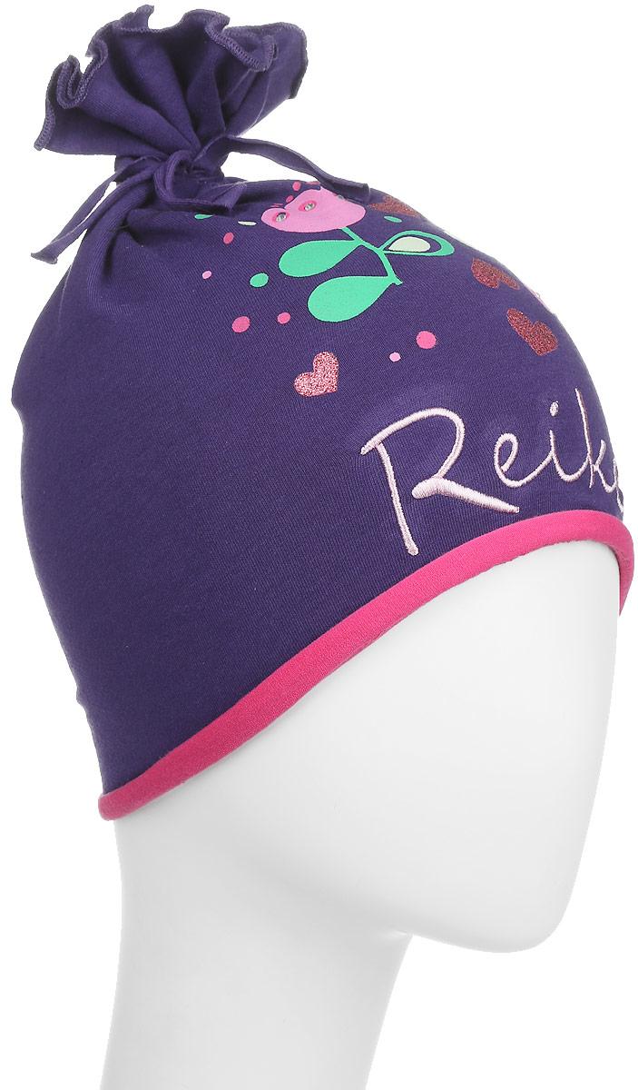 Шапка для девочки Reike Тюльпан, цвет: фиолетовый. RKNSS17-TLP2. Размер 48RKNSS17-TLP2_violetОригинальная шапка для девочки Reike Тюльпан, изготовленная из качественного хлопкового материала и дополненная воланом на макушке, отлично впишется в гардероб юной модницы. Модель с контрастным подкладом оформлена цветочным принтом со стразами и блестками в стиле серии и вышивкой с названием бренда. Уважаемые клиенты!Размер, доступный для заказа, является обхватом головы.