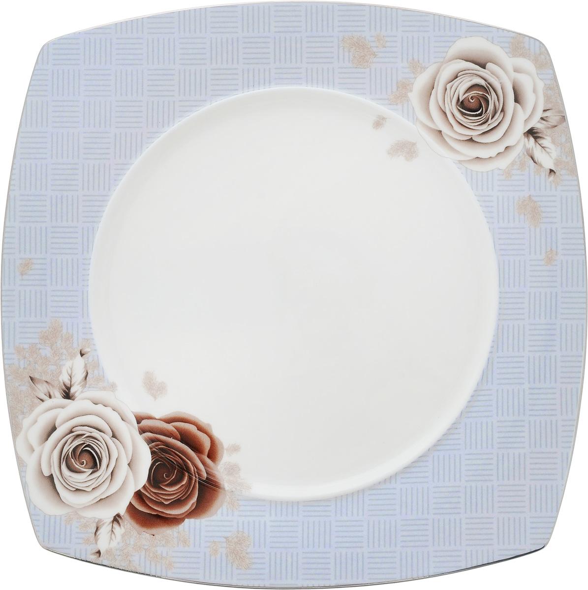 Тарелка Дэниш, 20 x 20 смPR7989Тарелка Дэниш изготовлена из качественного фарфора. Изделие декорировано цветочным рисунком. Такая тарелка отлично подойдет в качестве блюда для сервировки закусок и нарезок, ее также можно использовать как обеденную.