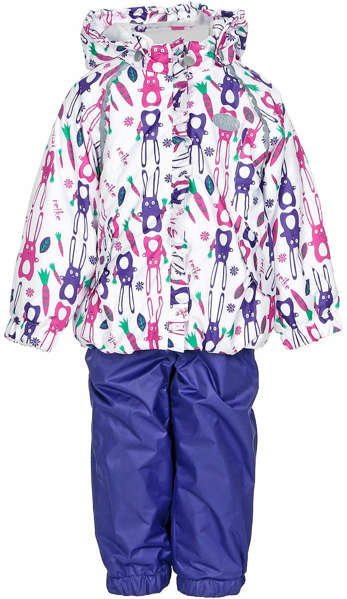 Комплект верхней одежды для девочки Reike Зайчики: куртка, полукомбинезон, цвет: белый, синий, розовый. 36934001. Размер 92, 24 месяца36934001Комплект для девочки Reike Зайчики, состоящий из куртки и полукомбинезона, выполнен из ветрозащитной, водонепроницаемой и дышащей мембранной ткани, декорированной принтом с забавными зайчиками. Подкладка - натуральный хлопок с велюровыми вставками на воротнике и манжетах. Куртка дополнена съемным капюшоном, двумя карманами на липучках, а также многочисленными светоотражающими элементами. Ветрозащитная планка в виде рюши со светоотражающей полоской вдоль молнии не допускает проникновения холодного воздуха. Эластичная талия полукомбинезона и регулируемые подтяжки гарантируют посадку по фигуре, длинная молния впереди облегчает процесс одевания. Полукомбинезон оснащен боковым карманом на молнии и съемными штрипками.Особенности комплекта: - утеплитель в куртке 60 г, полукомбинезон без утепления;- базовый уровень;- коэффициент воздухопроницаемости: 2000гр/м2/24 ч;- водоотталкивающее покрытие: 2000 мм.