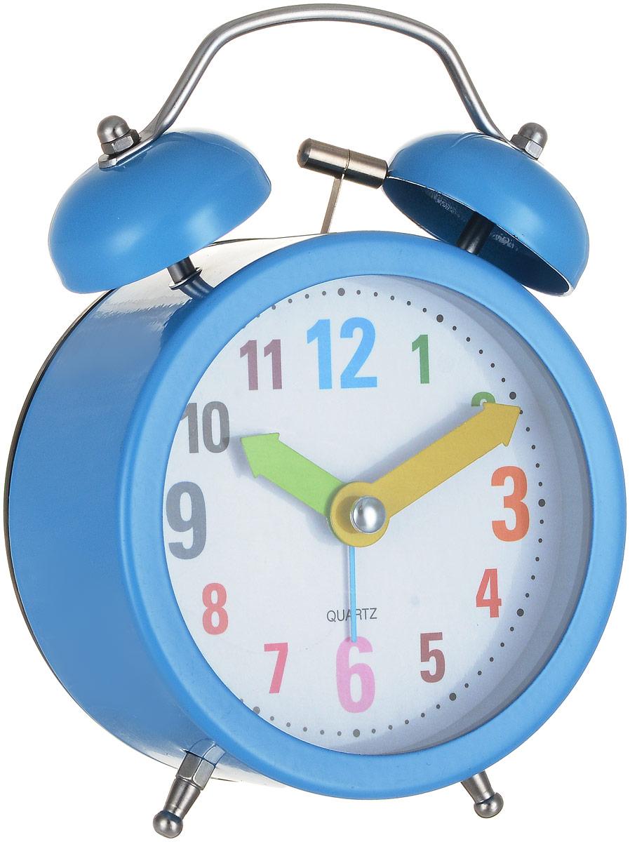 Часы-будильник Sima-land Разноцветные цифры, цвет: синий1056418_синийЯркий и оригинальный будильник Sima-land Разноцветные цифры поможет вам всегдавставать в нужное время и успевать везде и всюду. Корпус будильника выполнен из металла ипластика. Циферблат имеет разноцветные арабские цифры и цветные стрелки. Будильник украсит вашукомнату и приведет в восхищение друзей. Время показываетточно и будит в установленный час. На задней панели будильника расположены переключательвключения/выключения механизма, атакже два колесика для настройки текущего времени и времени звонка будильника. Такжебудильник оснащен кнопкой, при нажатии и удержании которой, подсвечивается циферблат. Будильник работает от 1 батарейки типа AA напряжением 1,5V (не входит в комплект).