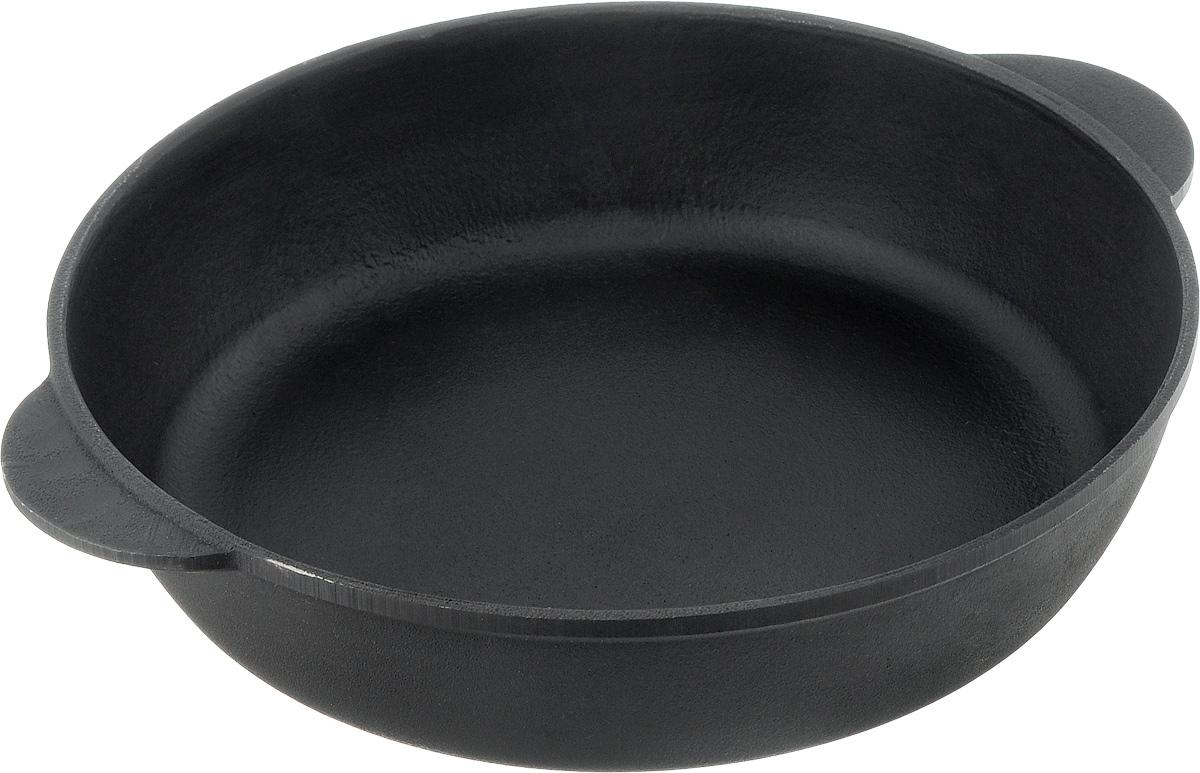 Сковорода чугунная Берлика. Диаметр 26 смБР2660_ручки 2Сковорода Берлика, изготовленная из натурального экологически безопасного чугуна. Чугун является одним из лучших материалов для производства посуды. Его можно нагревать до высоких температур. Он очень практичный, не выделяет токсичных веществ, обладает высокой теплоемкостью и способен служить долгие годы. Такая сковорода замечательно подойдет для приготовления жаренных и тушеных блюд, а также прекрасно подходит для приготовления как стейков, так и овощей, при этом результат всегда просто потрясающий. Вы всегда будете готовить самую вкусную и полезную для здоровья пищу. Подходит для всех типов плит, включая индукционные. Нельзя мыть в посудомоечной машине.Диаметр: 26 см.Высота стенки: 6 см. Уважаемые клиенты! Для сохранения свойств посуды из чугуна и предотвращения появления ржавчины чугунную посуду мойте только вручную, горячей или теплой водой, мягкой губкой или щёткой (не металлической) и обязательно вытирайте насухо. Для хранения смазывайте внутреннюю поверхность посуды растительным маслом, а перед следующим применением хорошо накалите посуду.