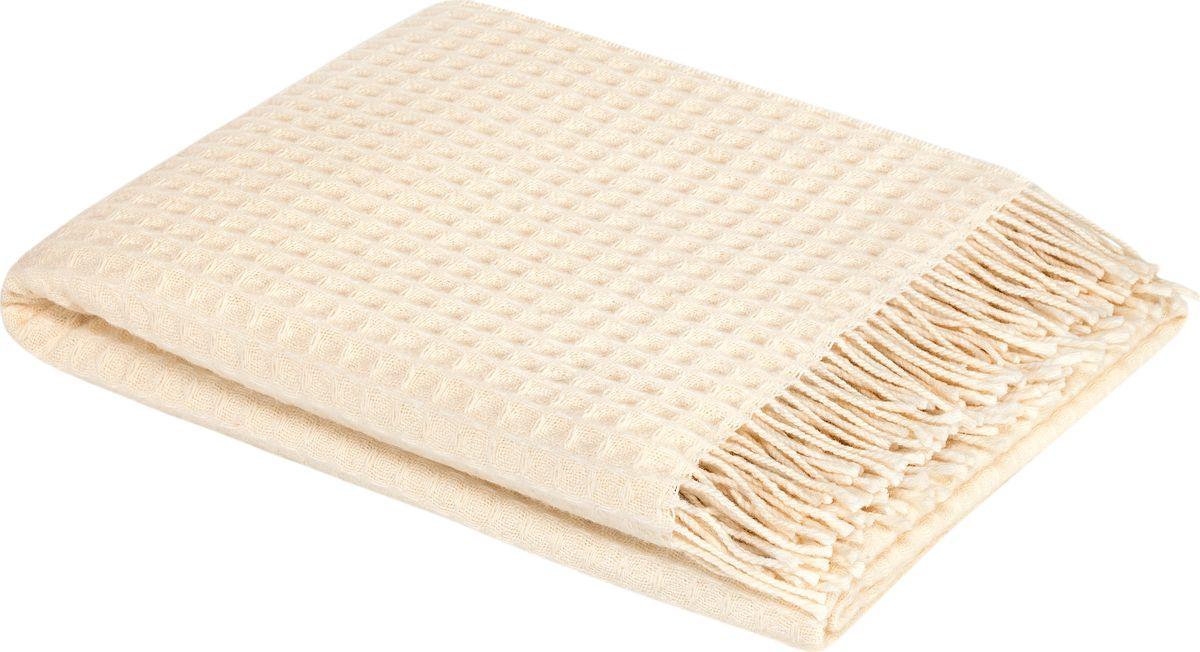 Плед Togas Риальто, цвет: айвори, 140 х 200 см20.03.10.0081Стильный плед Togas Риальто - это комфорт и уют на каждый день! Онподарит вам нежность жаркими летними ночами, теплоту и комфортпрохладными зимними вечерами. Плед выполнен из шерсти, края отделаны бахромой. Плед - это такой подарок, который будет всегда актуален, особеннодля ваших родных и близких, ведь вы дарите им частичку своеготепла!Состав: 100% шерсть мериноса экстрафайн.