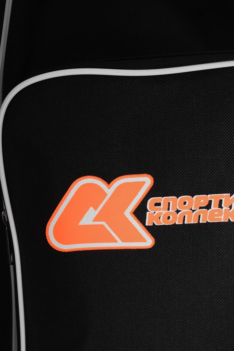 """Сумка """"Спортивная коллекция"""" для роликов и коньков выполнена из высококачественного нейлона.  Особенности:  Сумка оснащена регулируемыми наплечным ремнем и ручками для транспортировки в руках.  Легкий прочный корпус из водонепроницаемого материала. На боковой и задней стороне сумки располагаются 2 удобных кармана, закрывающихся на застежки-молнии. Имеется также специальная окантовка для сохранения формы сумки. Центральная застежка-молния для быстрого доступа к содержимому."""