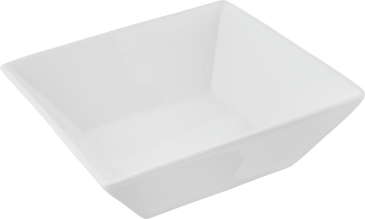 Салатник Ariane Джульет, 1,2 лAJSARN22207Салатник Ariane Джульет, изготовленный из высококачественного фарфора с глазурованным покрытием, прекрасно подойдет для подачи различных блюд: закусок, салатов или фруктов. Такой салатник украсит ваш праздничный или обеденный стол.Можно мыть в посудомоечной машине и использовать в микроволновой печи.Размер салатника (по верхнему краю): 20 х 20 см.Высота стенки: 6,5 см.Объем салатника: 1,2 л.