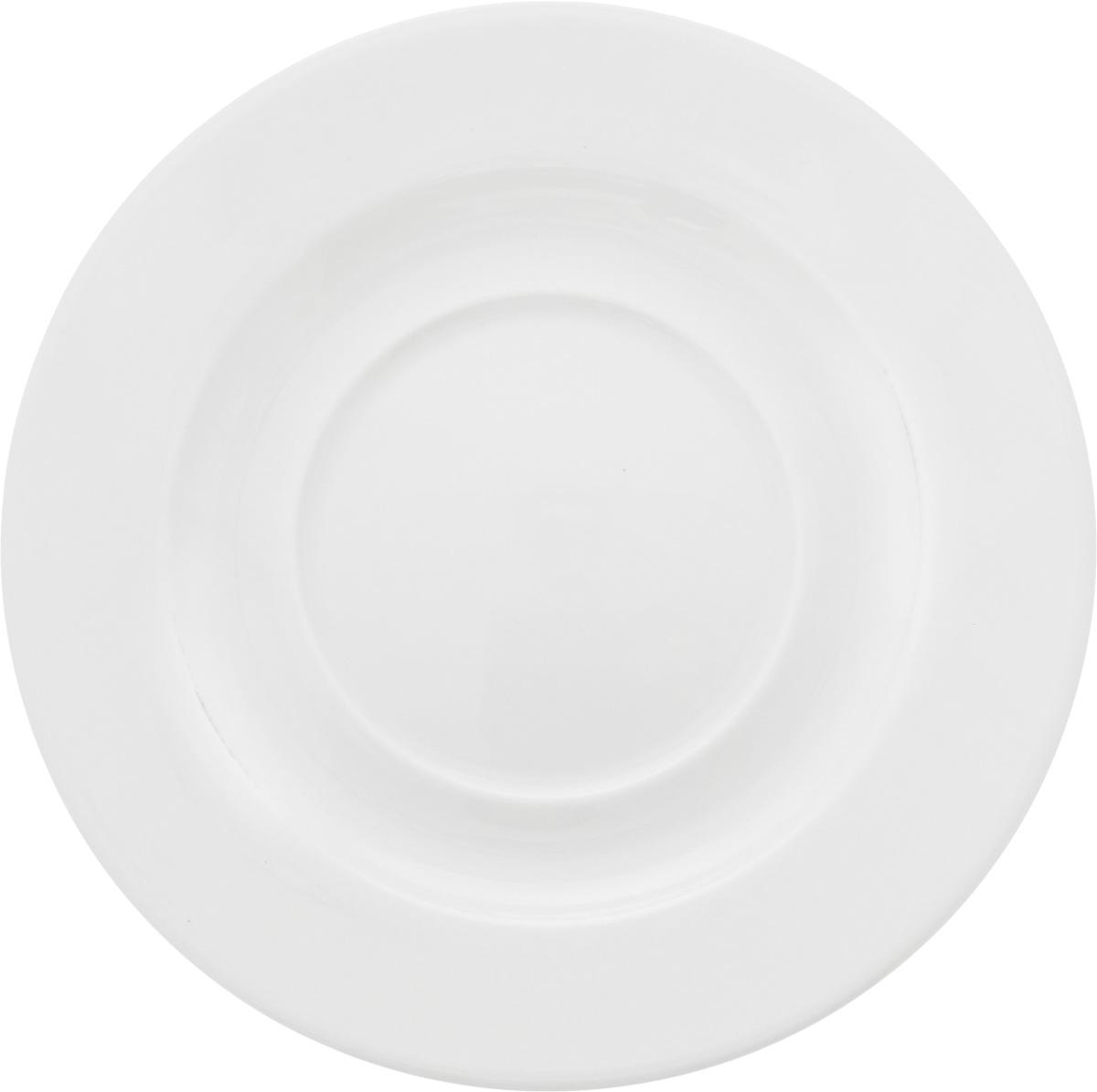 """Оригинальное блюдце Ariane """"Прайм"""" изготовлено из фарфора с глазурованным покрытием. Изделие сочетает в себе классический дизайн с максимальной функциональностью. Блюдце прекрасно впишется в интерьер вашей кухни и станет достойным дополнением к кухонному инвентарю. Можно мыть в посудомоечной машине и использовать в микроволновой печи.  Диаметр блюдца (по верхнему краю): 16,5 см.  Высота блюдца: 2 см."""