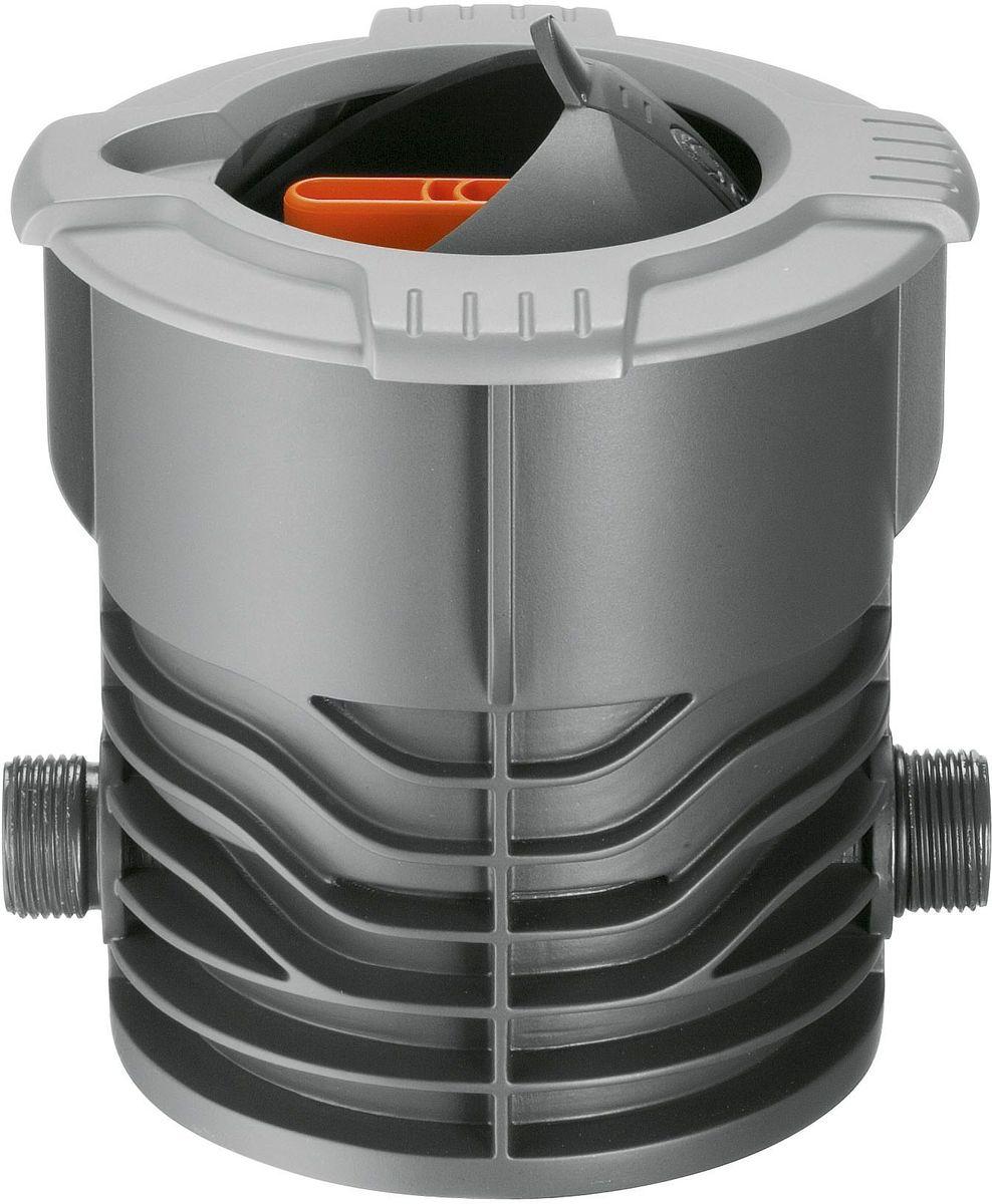 Кран запорный Gardena, наружная резьба 3/402724-20.000.00Запорный кран Gardena, входящий в систему дождевания Gardena Sprinklersystem, используется для ручной регулировки напора и выключения отдельных выдвижных дождевателей или групп дождевателей. Поток воды плавно регулируется и может быть полностью перекрыт. Выдвижная сферическая крышка при открытии убирается внутрь и не препятствует стрижке газона. Широкий обод не позволяет траве прорастать внутрь крышки. Съемный фильтр предотвращает загрязнение при открытой крышке. Запорный кран Gardena имеет наружную резьбу 3/4.