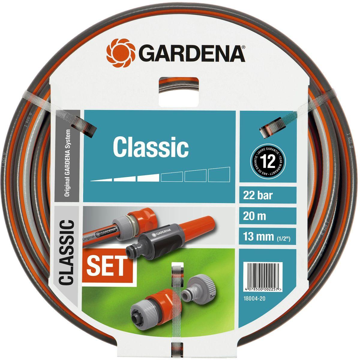 Шланг Gardena Classic, с аксессуарами, диаметр 1/2, длина 20 м18004-20.000.00Шланг Gardena Classic используется совместно с садовой техникой, например его быстро и просто подсоединить к водопроводному крану. Высококачественное армирование способствует сохранению первоначальной формы, не спутывается и не перекручивается. Шланг не восприимчив к УФ-излучению и в его составе отсутствуют фталаты и тяжелые металлы. Выдерживает давление до 22 бар. Благодаря толстым стенкам и высококачественным материалам шланг служит очень долго.В комплекте с данным шлангом поставляется комплект соединительных элементов Original Gardena System: резьбовой штуцер, адаптер, коннектор с автостопом и наконечник.