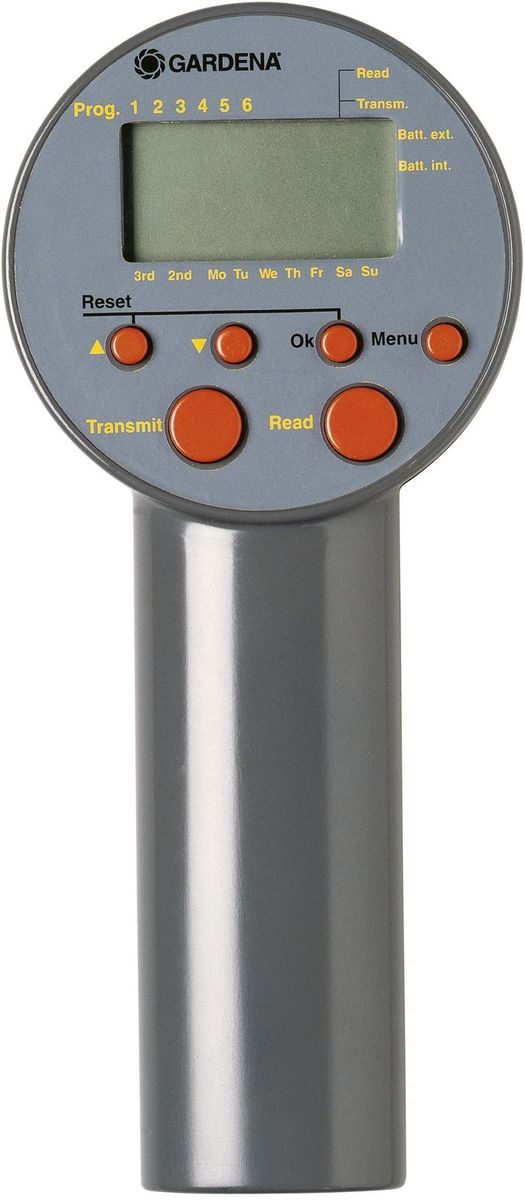 """Блок управления клапанами для полива """"Gardena"""" предназначен для автоматического  управления системой управления поливом или крупными системами дождевания Gardena, и  поэтому идеально подходит для использования на участках, к которым не подведено  электричество. Блок управления клапанами - идеальный выбор в тех случаях, когда объем  подаваемой воды недостаточен для одновременной работы всей системы, в которую входят  несколько систем полива. Помимо этого, в случае различной потребности в воде отдельных  участков блок управления клапанами Gardena осуществляет управление продолжительностью  полива на отдельных каналах, обеспечивая тем самым оптимальный полив с учетом требований  пользователя. В один день можно использовать до шести режимов полива. День полива и  режимы задаются пользователем. Продолжительность полива плавно регулируется в диапазоне  от 1 мин до 9 ч 59 мин.  Для работы устройства необходима щелочная батарейка 9В (не входит в комплект поставки).  Батарейки хватает примерно на один год работы устройства."""