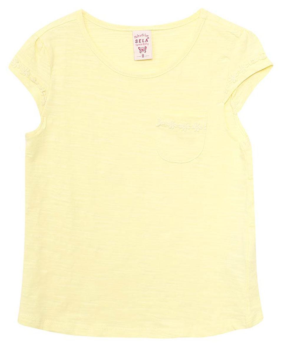 Футболка для девочки Sela, цвет: светло-желтый. Ts-611/957-7172. Размер 140, 10 летTs-611/957-7172Яркая футболка для девочки Sela станет отличным дополнением к гардеробу юной модницы. Модель прямого кроя изготовлена из натурального хлопка и оформлена ажурным плетением на рукавах. Изделие дополнено накладным кармашком в области груди. Воротник дополнен мягкой эластичной бейкой.