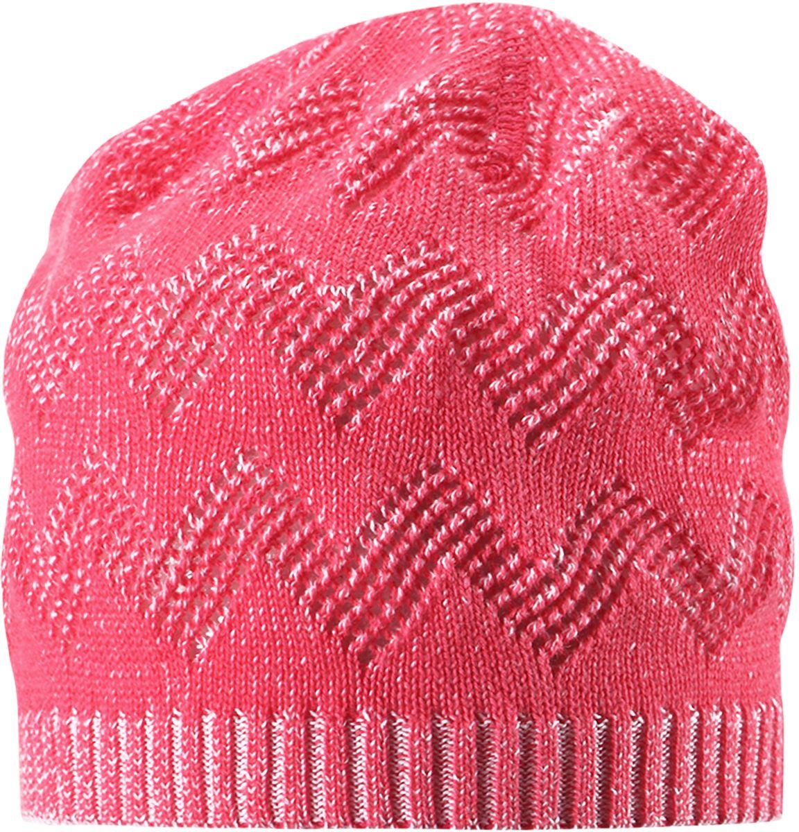 Шапка для девочки Reima Piranja, цвет: розовый. 5285283360. Размер 525285283360Детская шапка станет превосходным выбором в межсезонье, в ней можно и поиграть во дворе, и прогуляться по городу. Изготовлена из мягкого и комфортного вязаного хлопка. Эта симпатичная облегченная модель без подкладки идеально подходит для солнечной погоды.