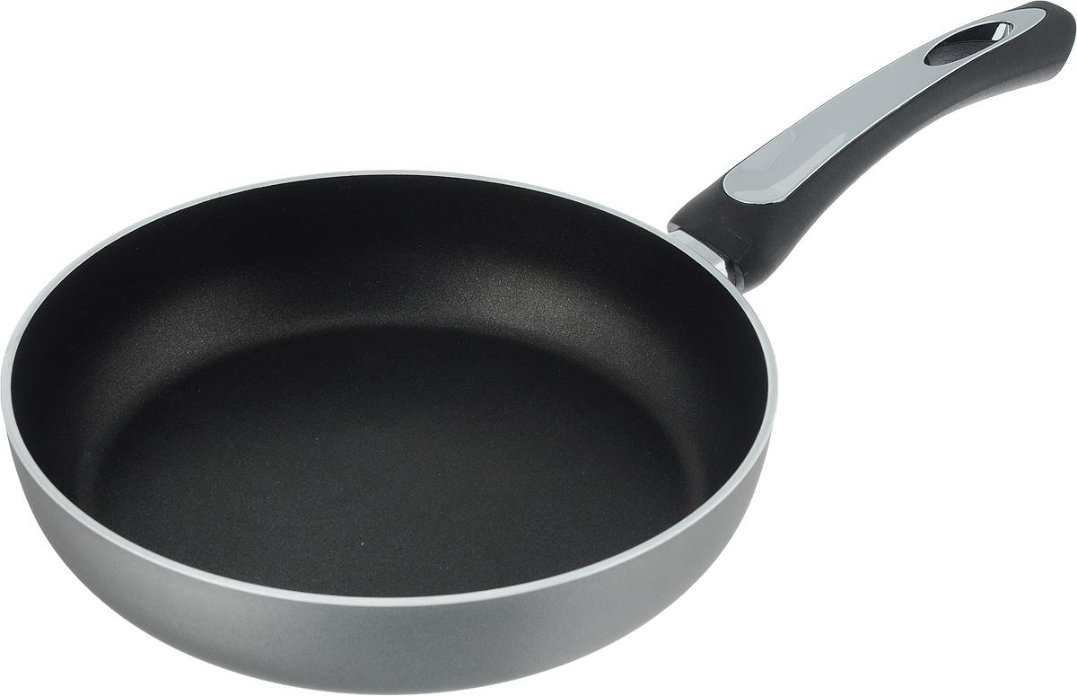 Сковорода Scovo President, с антипригарным покрытием. Диаметр 24 смSP-003Сковорода Scovo President выполнена из алюминия и имеет антипригарное покрытие. Покрытие исключает прилипание и пригорание пищи к поверхности посуды, обеспечивает легкость мытья посуды, исключает необходимость использования большого количества масла, что способствует приготовлению здоровой пищи с пониженной калорийностью.Сковорода оснащена удобной пластиковой ручкой.Сковорода подходит для газовых, электрических и стеклокерамических плит. Также ее можно мыть в посудомоечной машине. Диаметр сковороды: 24 см. Высота стенки: 5,5 см.Длина ручки: 17 см.