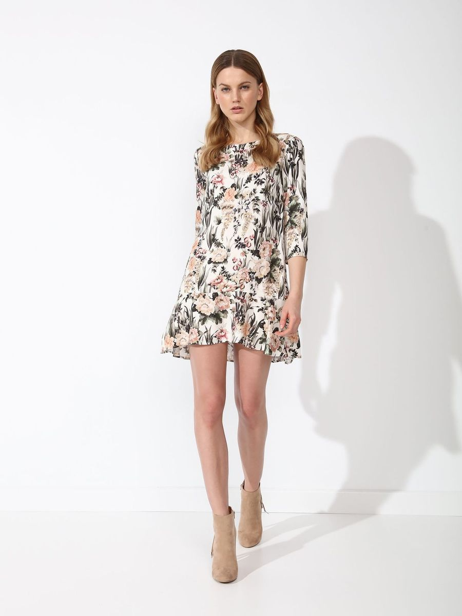 Платье Top Secret, цвет: белый. SSU1844BI. Размер 42 (50)SSU1844BIПлатье Top Secret выполнено из вискозы. Модель с круглым вырезом горловины и рукавами 3\4. Оформлено изделие цветочным принтом.