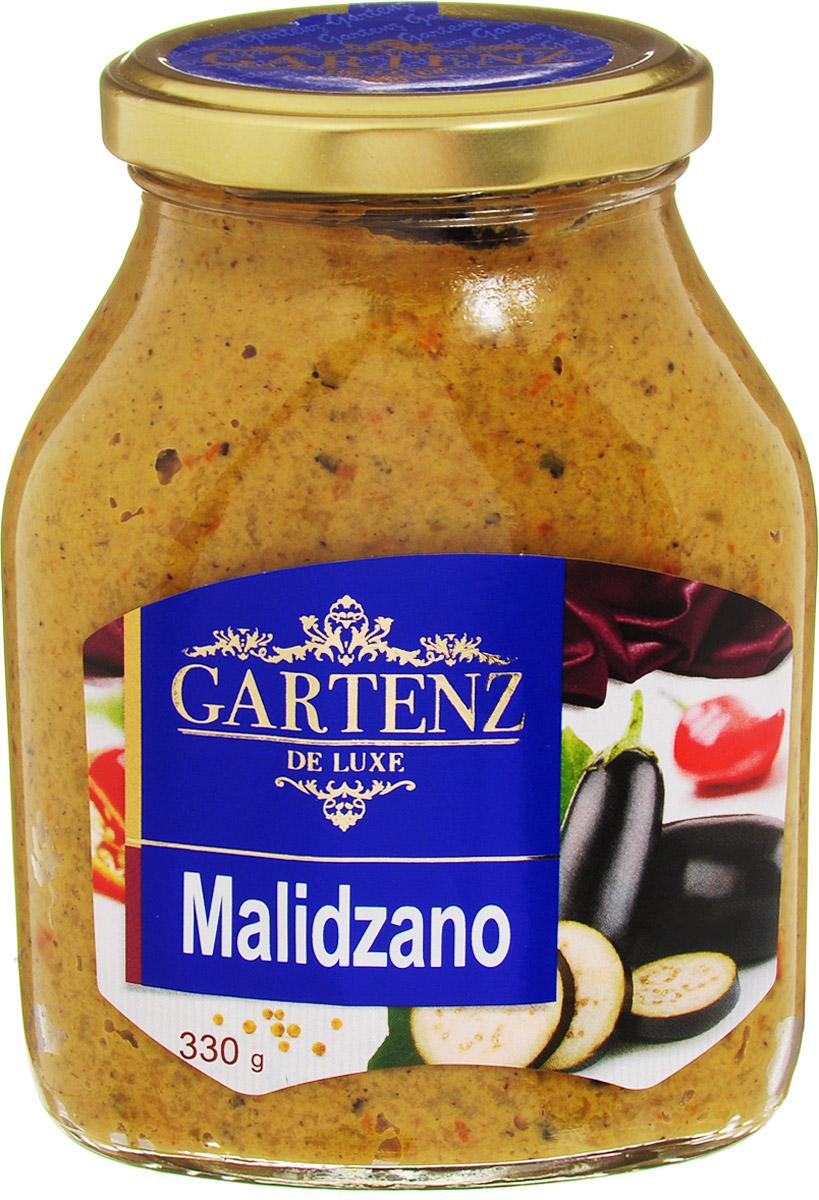 Gartenz de Luxe малиджано, 330 гоаа014Овощной деликатес из печеных баклажанов и перцев, приправленных горчицей. Приготовлен по традиционным рецептам балканской кухни. Идеально подойдет для легкого завтрака, быстрой закуски или позднего ужина. Продукция под торговой маркой Gartenz de Luxe ориентирована на удовлетворение самых изысканных вкусовых предпочтений. Овощные деликатесы Gartenz de Luxe объединяют в себе уникальную рецептуру, использование отборных овощей, отсутствие искусственных добавок, и яркий, контрастный дизайн. Строгий отбор и непрерывный тщательный контроль сырья опытными специалистами, в сочетании с высокими технологиями производства, позволяют поддерживать стабильно высокое качество всей линейки Gartenz de Luxe. Перец и баклажаны, используемые для производства овощных закусок Gartenz de Luxe выращиваются в Македонии. Перед приготовлением овощи очищаются, обжигаются на открытом огне и режутся на кусочки. Процесс приготовления происходит при низких температурах (50 С), что позволяет максимально сохранить витамины в готовом продукте. Завершается готовка повторным обжиганием на огне в течение 5-7 минут. На этом этапе продукт приобретает свой особый вкус и аромат копчения, а также насыщенный цвет. Качество продукции в линейке Gartenz de Luxe Балканская кухня превосходит аналоги, потому как продукты содержат существенно меньше воды за счет приготовления на открытом огне, обладают пряным насыщенным вкусом и натуральным цветом.