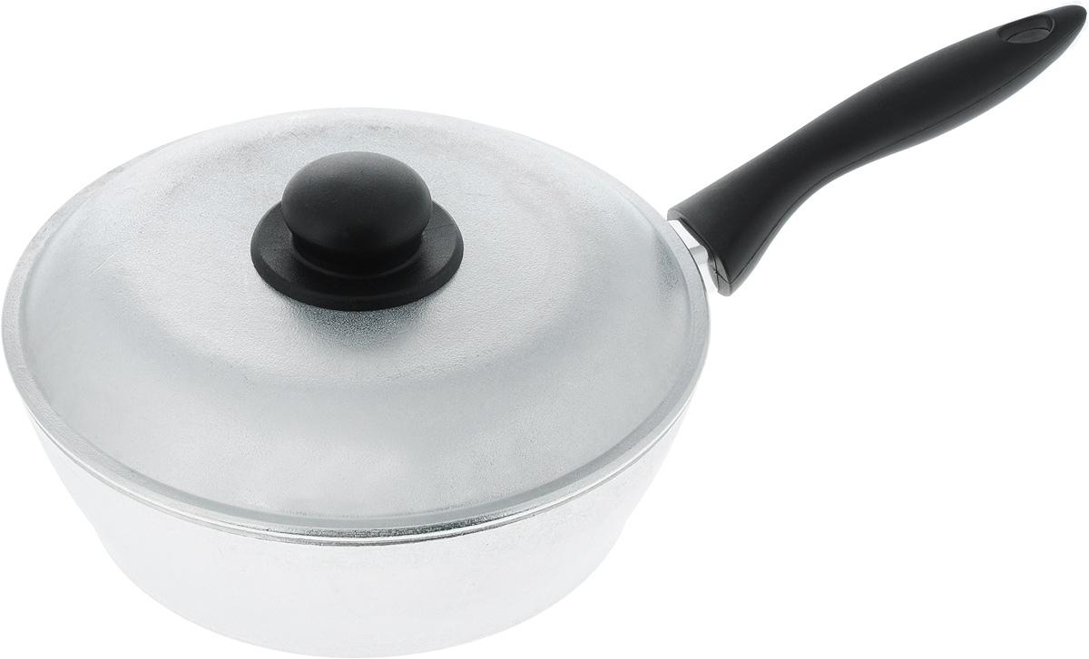 Сковорода Алита Надежда, с крышкой. Диаметр 24 см10800Сковорода Алита Надежда изготовлена из литого алюминиевого сплава. Благодаря этому пища не пригорает и не прилипает к стенкам. Готовить можно с минимальным количеством масла и жиров. Гладкая поверхность обеспечивает легкость ухода за посудой. Изделие оснащено удобной пластиковой ручкой, которая не нагревается в процессе готовки.Подходит для использования на всех типах плит, кроме индукционных.В комплекте идет крышка с пластиковой ручкой. Диаметр сковороды (по верхнему краю): 24 см.Высота стенки: 7,5 см.Длина ручки: 19 см.